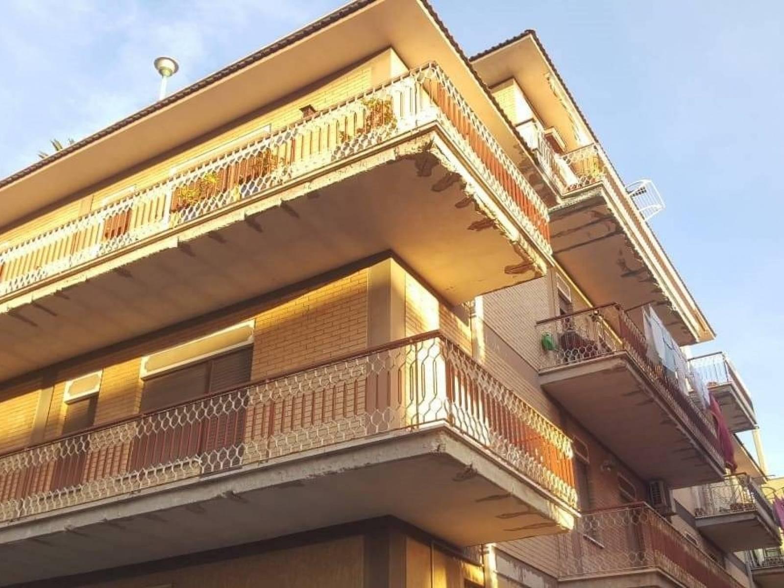 1118418289 Trilocale in Via Domenico Beccafumi, Roma, Zona Torre Angela