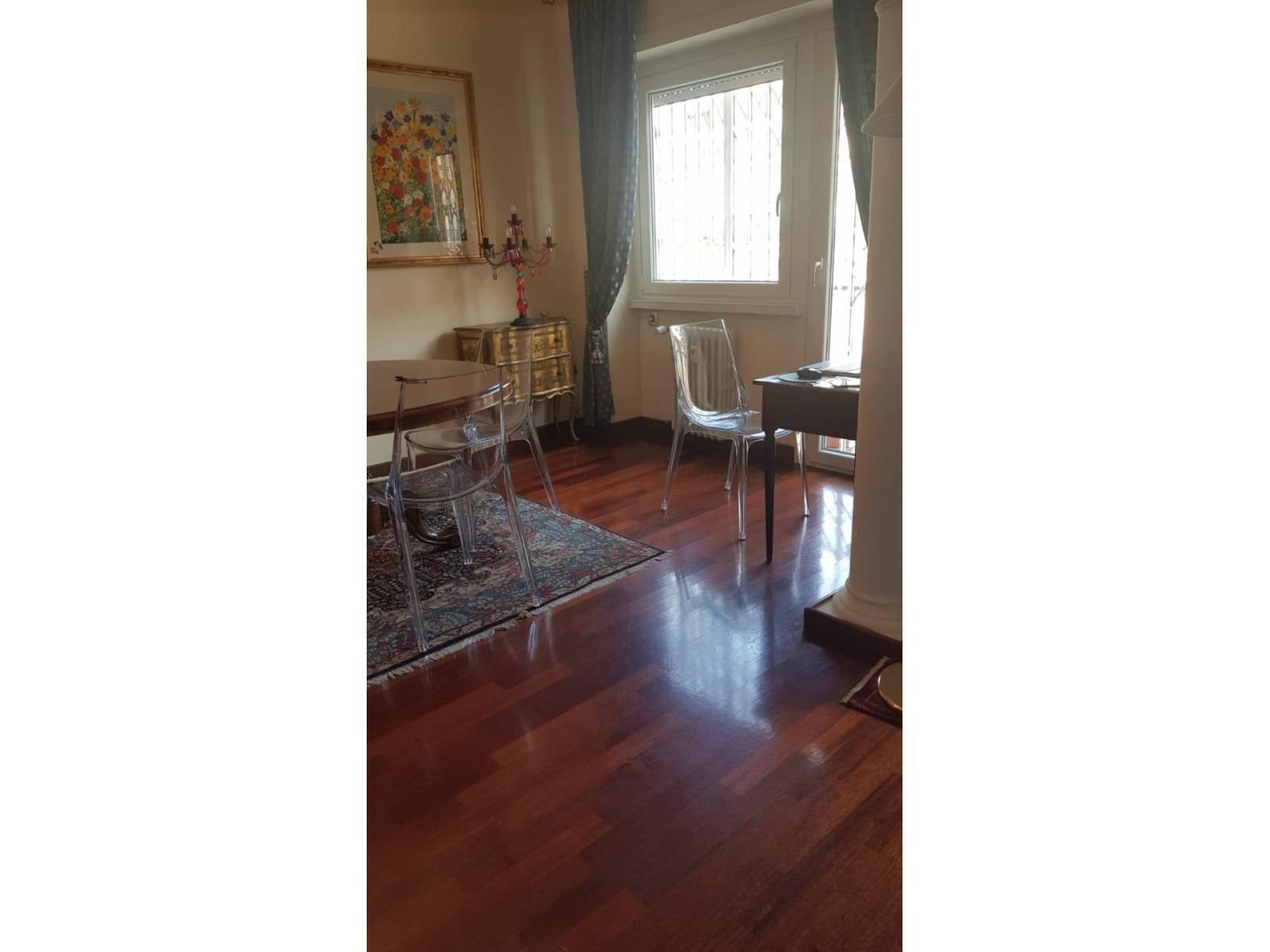 1118418427 Quadrilocale in Via Genzano, Roma, Zona Colli Albani