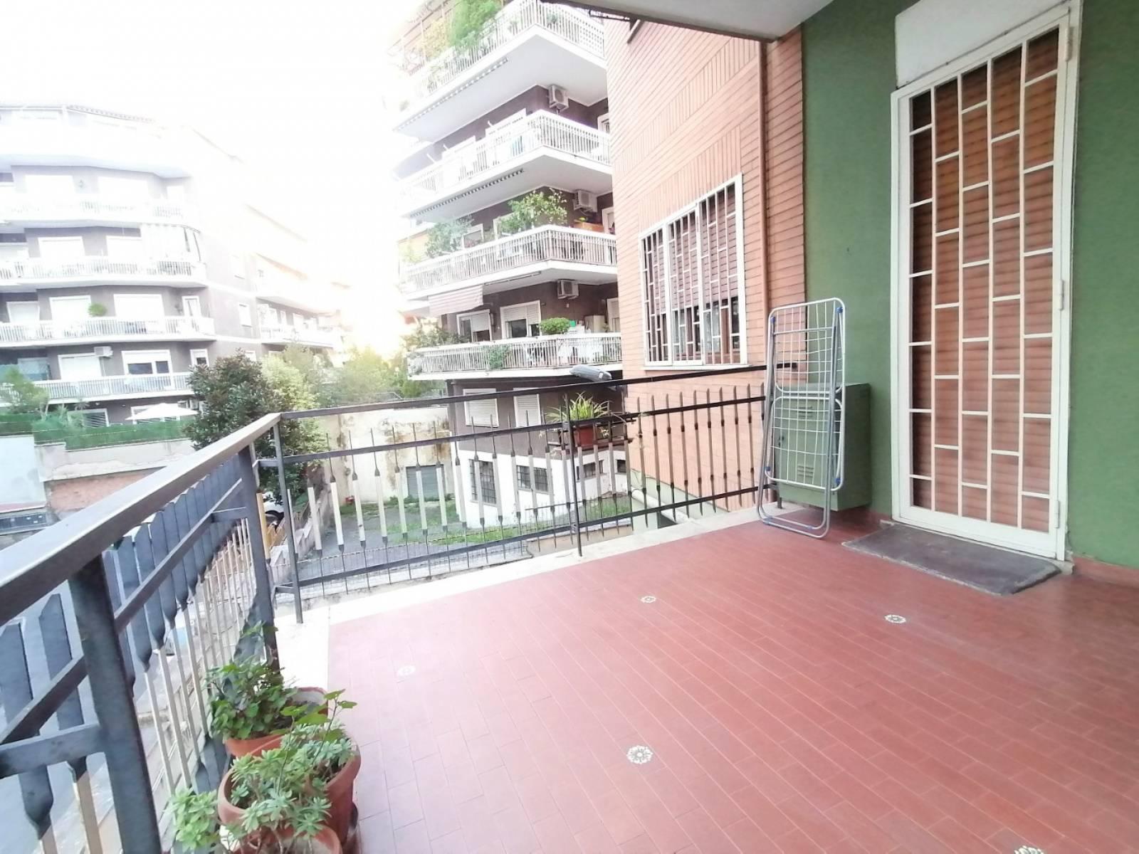 1118418438 Trilocale in Via Val Pusteria, Roma, Zona Prati Fiscali