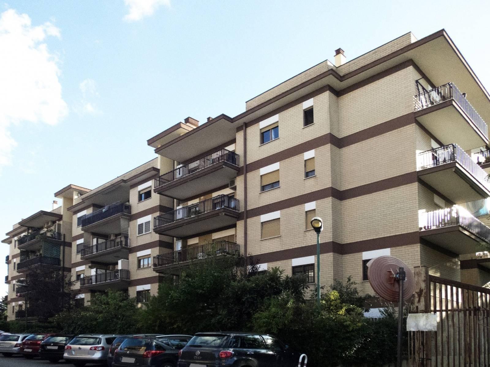 1118418460 Trilocale in Via Di Scorticabove, Roma, Zona Casal De Pazzi