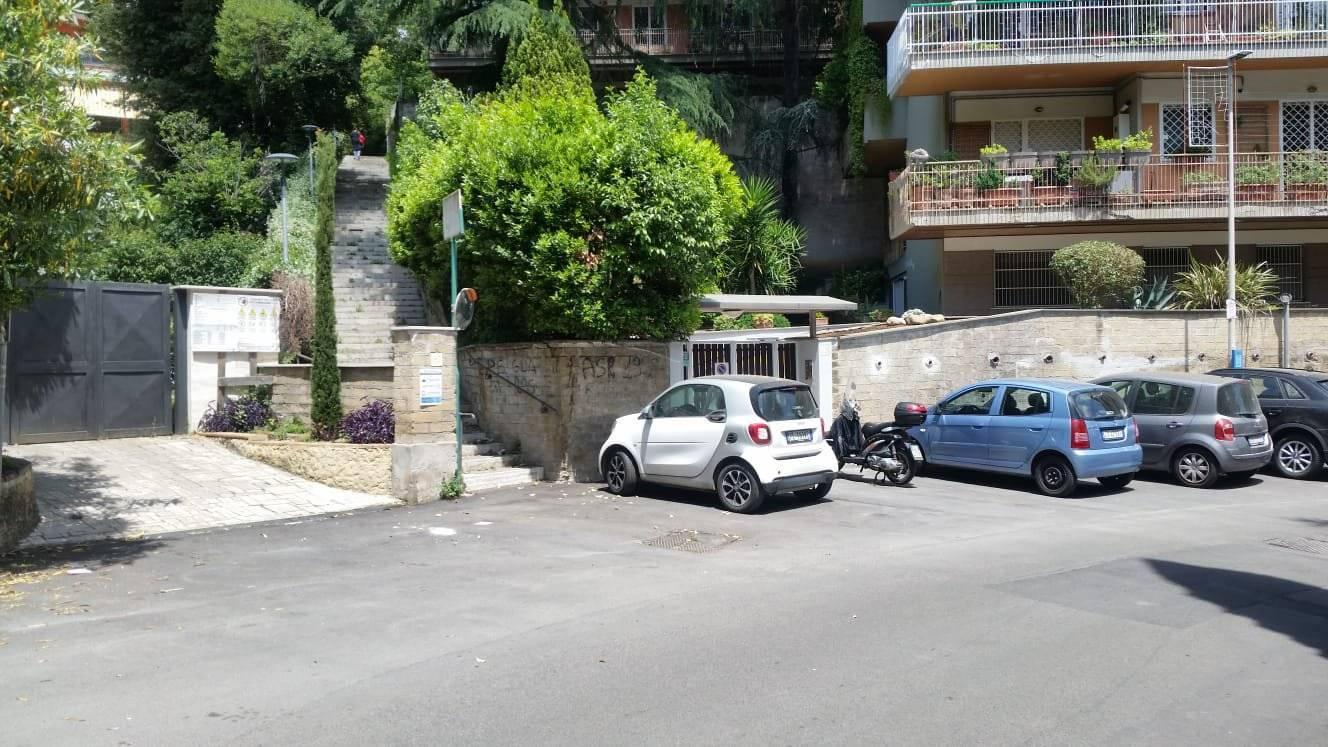 1118418526 Trilocale in Via Della Mendola, Roma, Zona Camilluccia