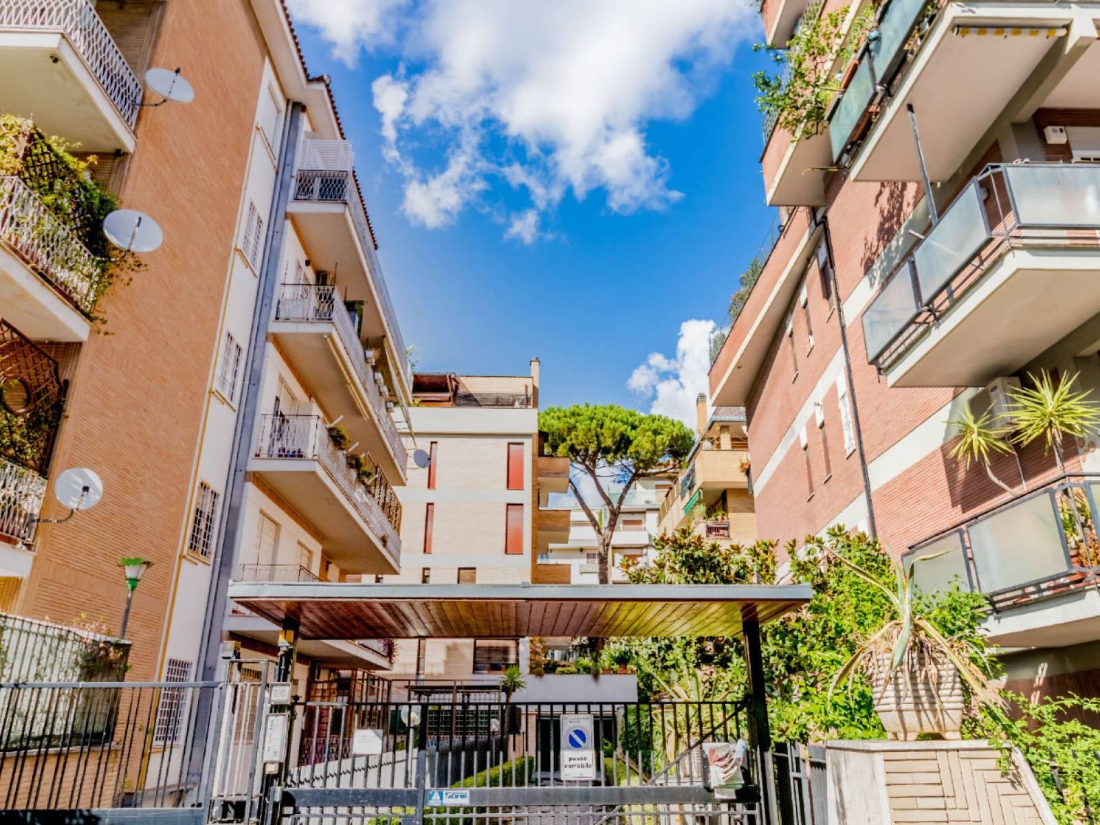 1118418606 Quadrilocale in Via Della Farnesina, Roma, Zona Farnesina
