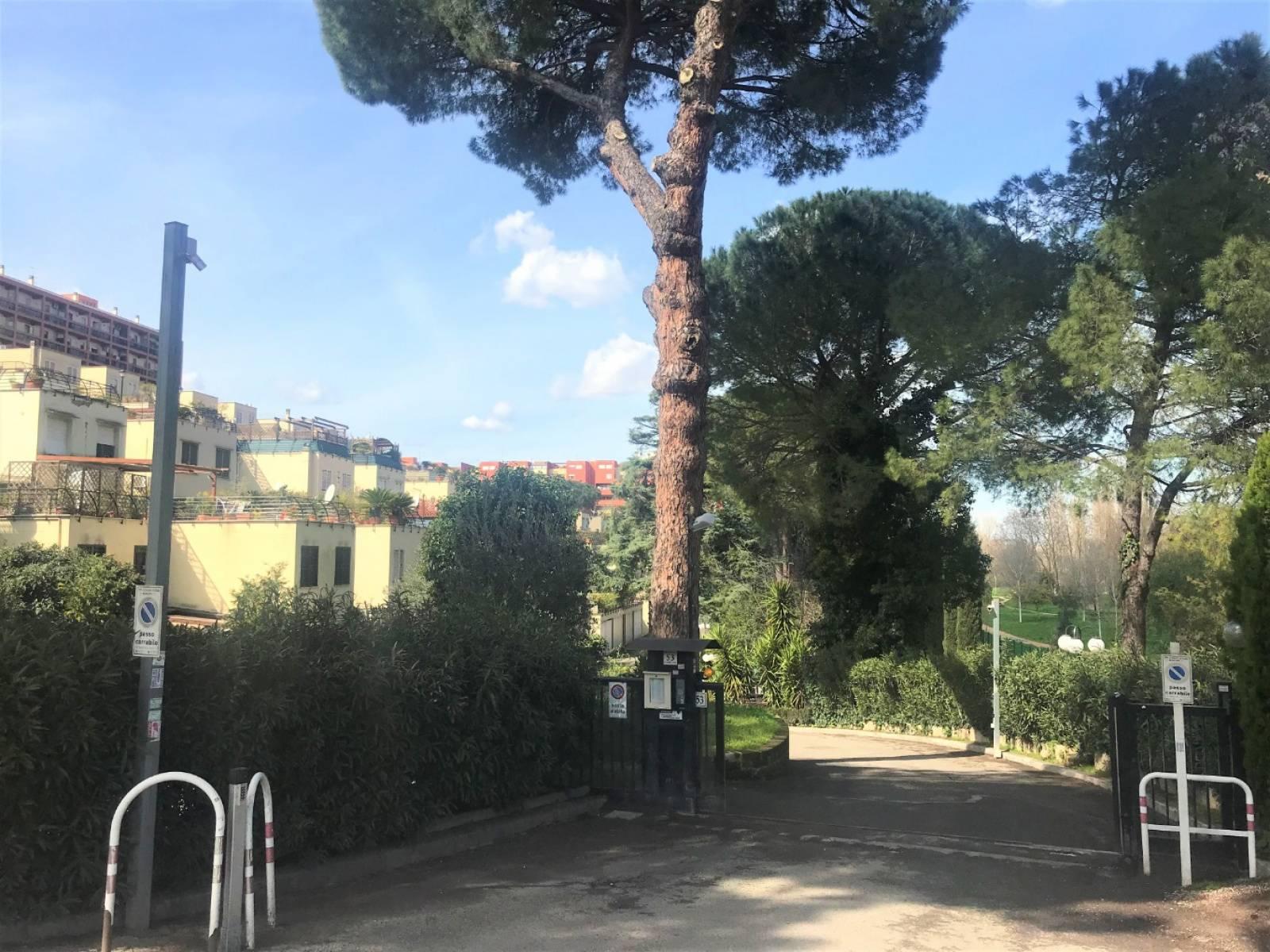 1118418640 Pentalocale in Via Calderon Della Barca, Roma, Zona Grotta Perfetta