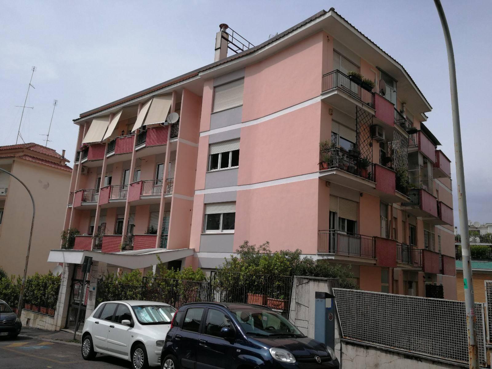 1118418722 Trilocale in Via Giacinta Pezzana, Roma, Zona Parioli