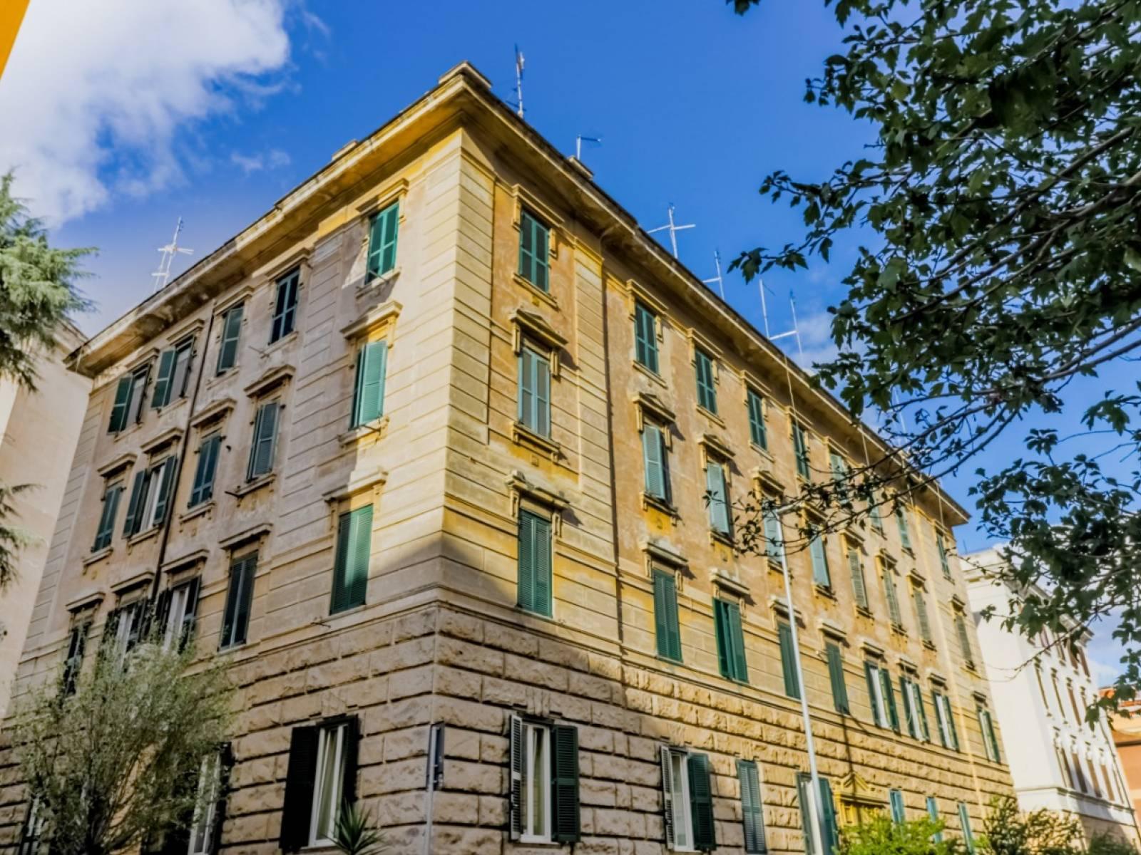 1118418735 Trilocale in Via Premuda, Roma, Zona Prati