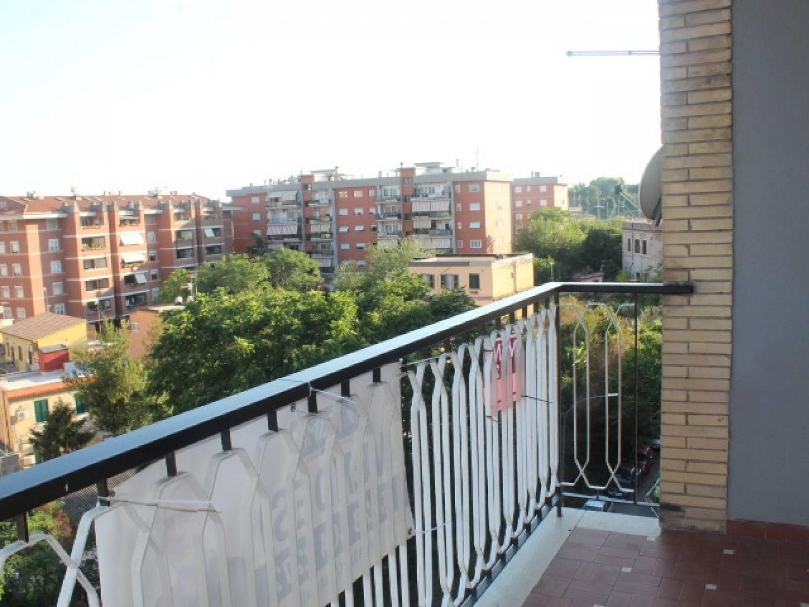 1118418813 Trilocale in Viale Giacomo Aicardi, Roma, Zona Tor Pignattara