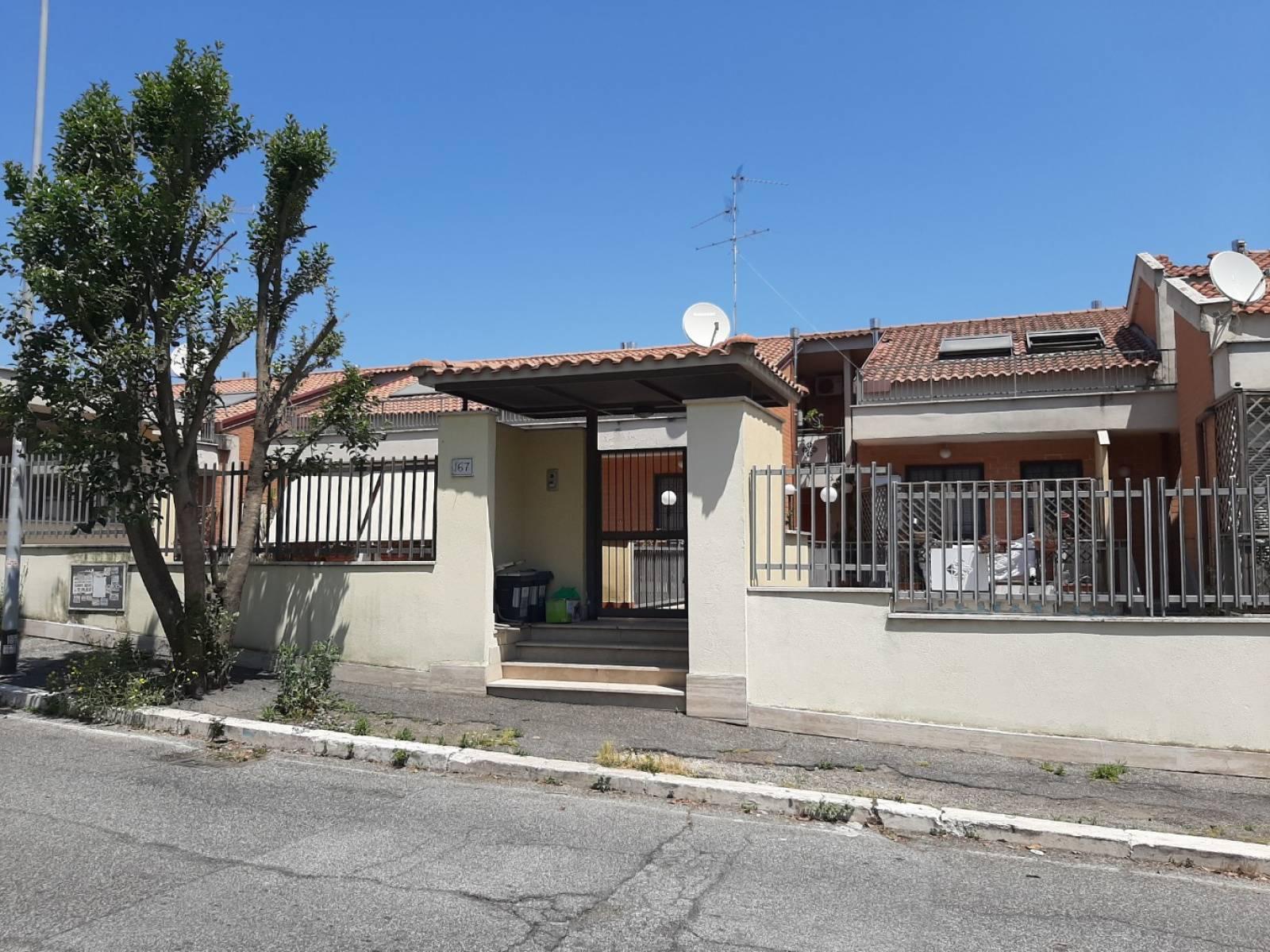 1118418825 Trilocale in Via Mar Della Cina, Roma, Zona Torrino