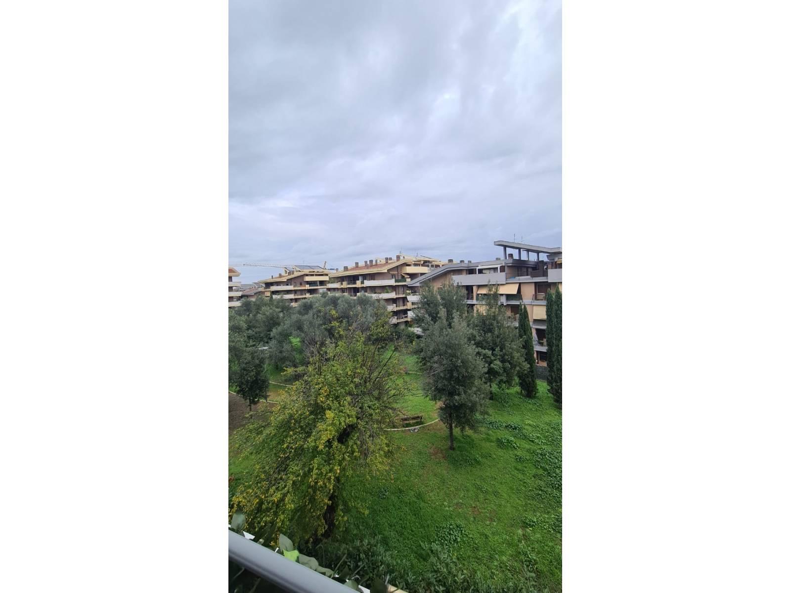 1118418833 Trilocale in Via Delle Vigne Nuove, Roma, Zona Vigne nuove