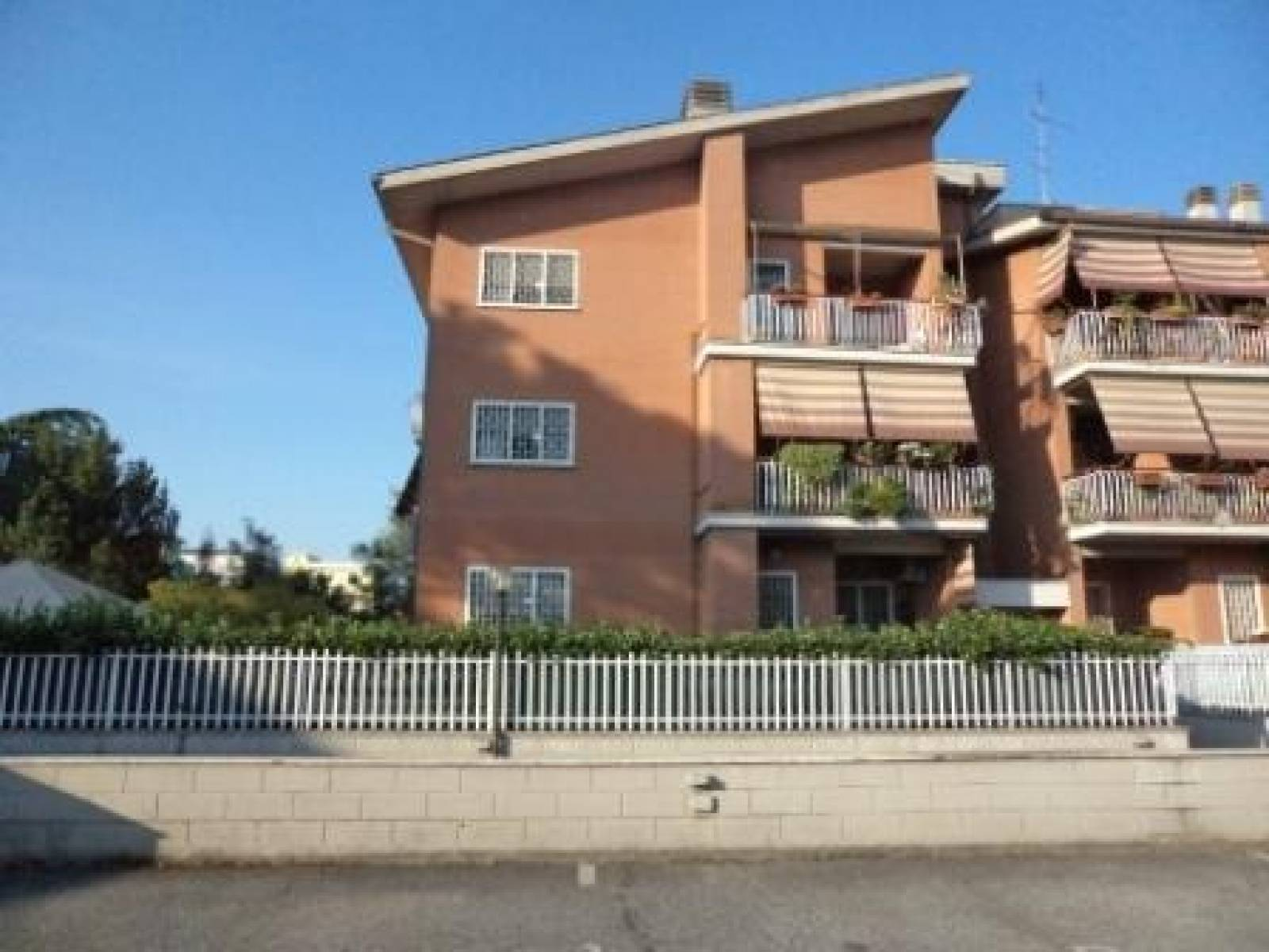 1118418936 Trilocale in Via Dameta, Roma, Zona la Rustica