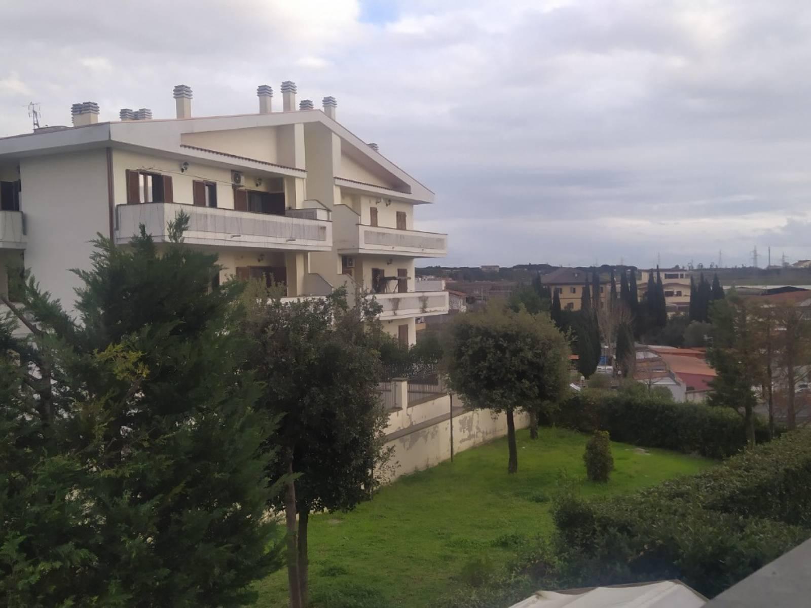 1118419044 Trilocale in Via Gioele Solari, Roma, Zona Casal Lumbroso