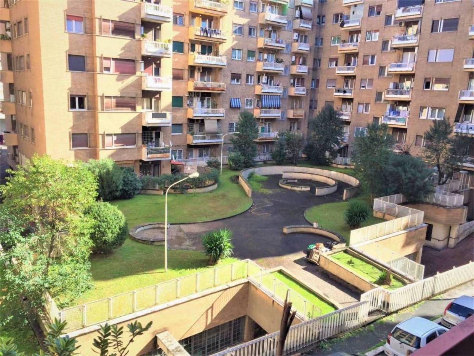 1118419117 Trilocale in Via J. Belgrado, Roma, Zona Portuense