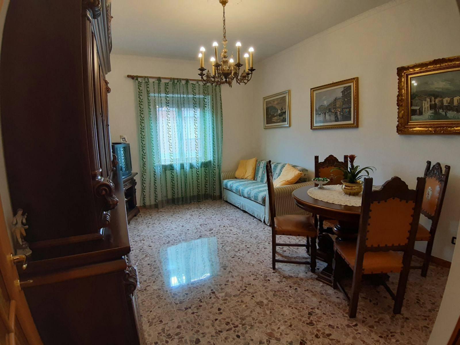 1118419215 Trilocale in Via Andrea Del Verrocchio, Roma, Zona Casetta Mattei