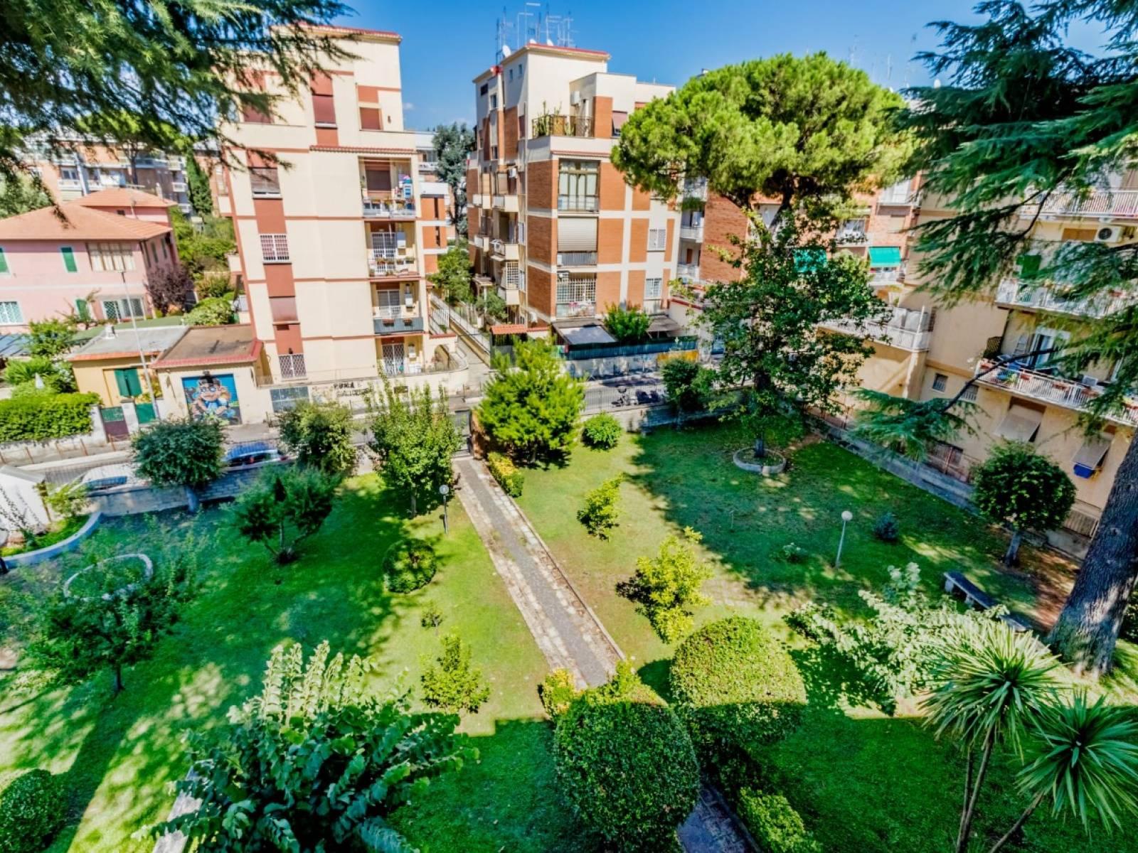 1118419225 Pentalocale in Via Simone Mosca, Roma, Zona Torrevecchia