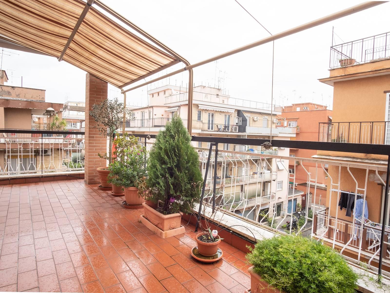1118419278 Trilocale in Via Dei Cristofori, Roma, Zona Torrevecchia