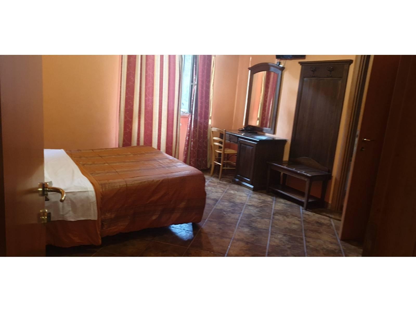 1118419281 Pentalocale in Via Filippo Turati, Roma, Zona Esquilino