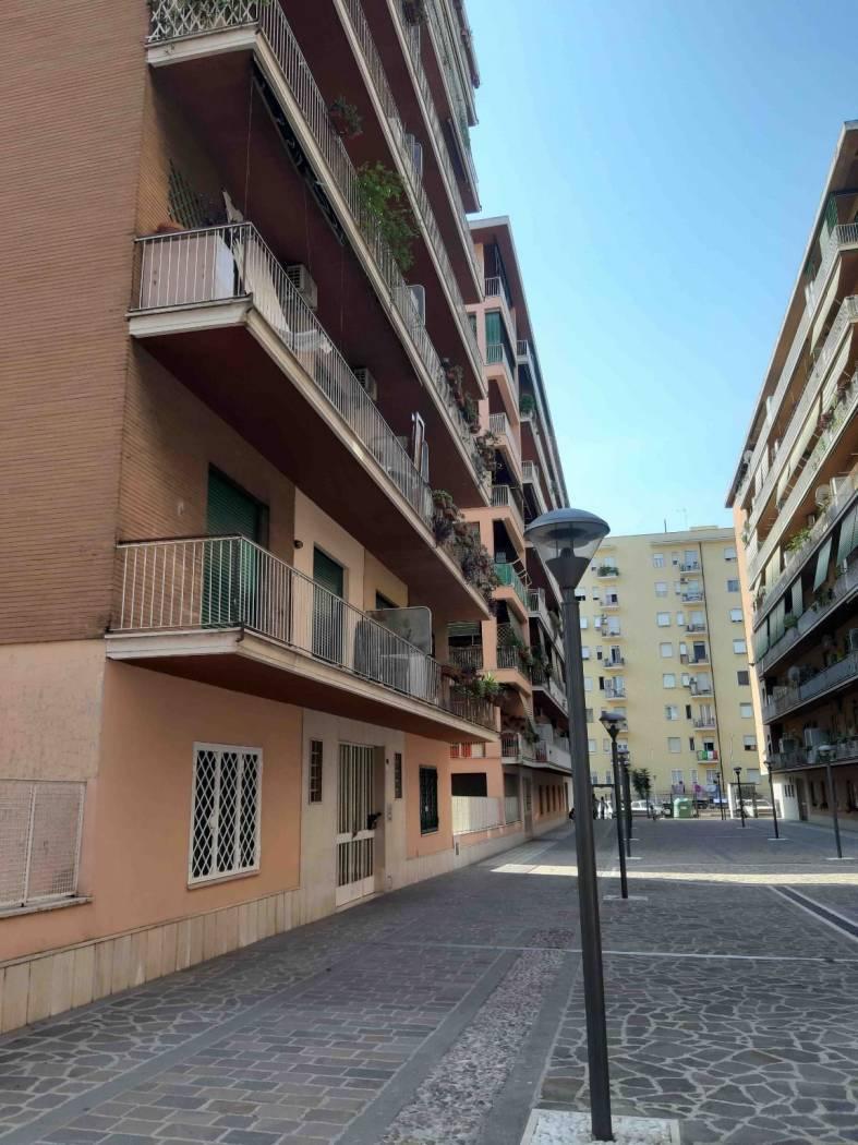 1118419340 Trilocale in Via Papiria, Roma, Zona Cinecittà, Don Bosco