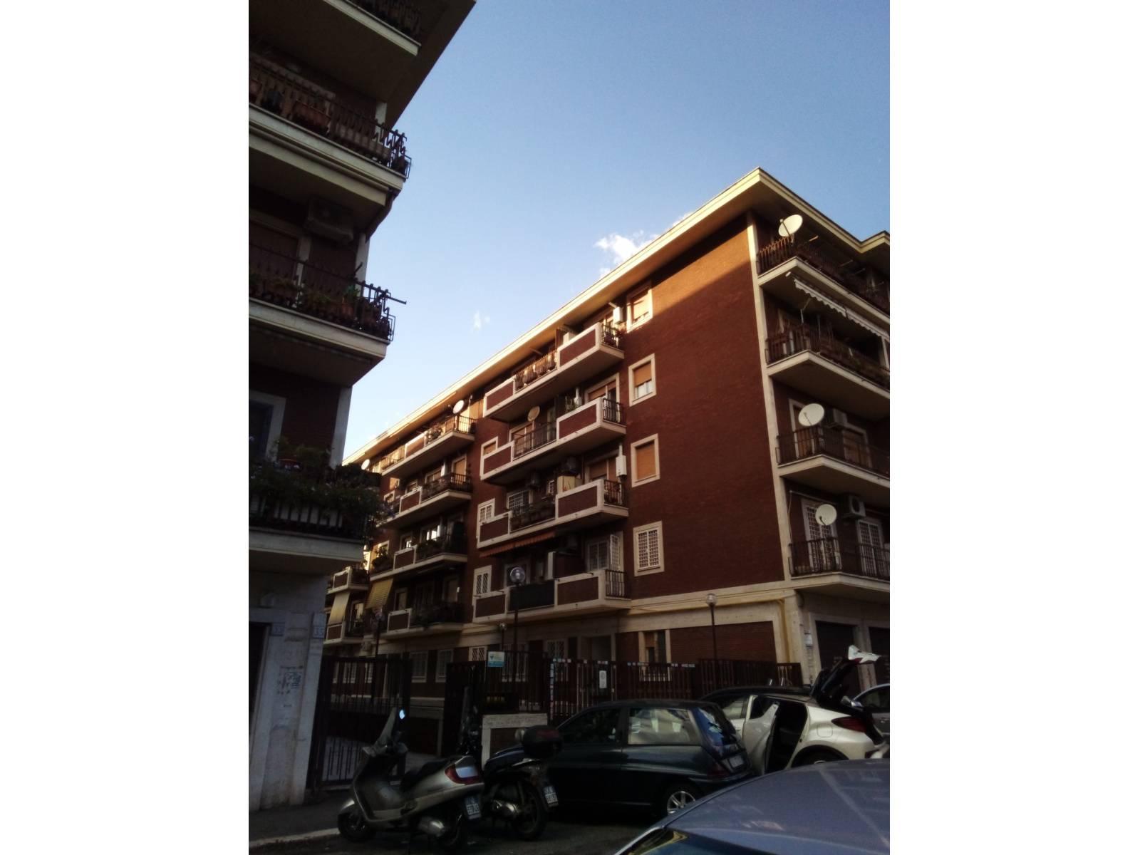 1118419374 Trilocale in Via Beniamino Costantini, Roma, Zona Tor Pignattara