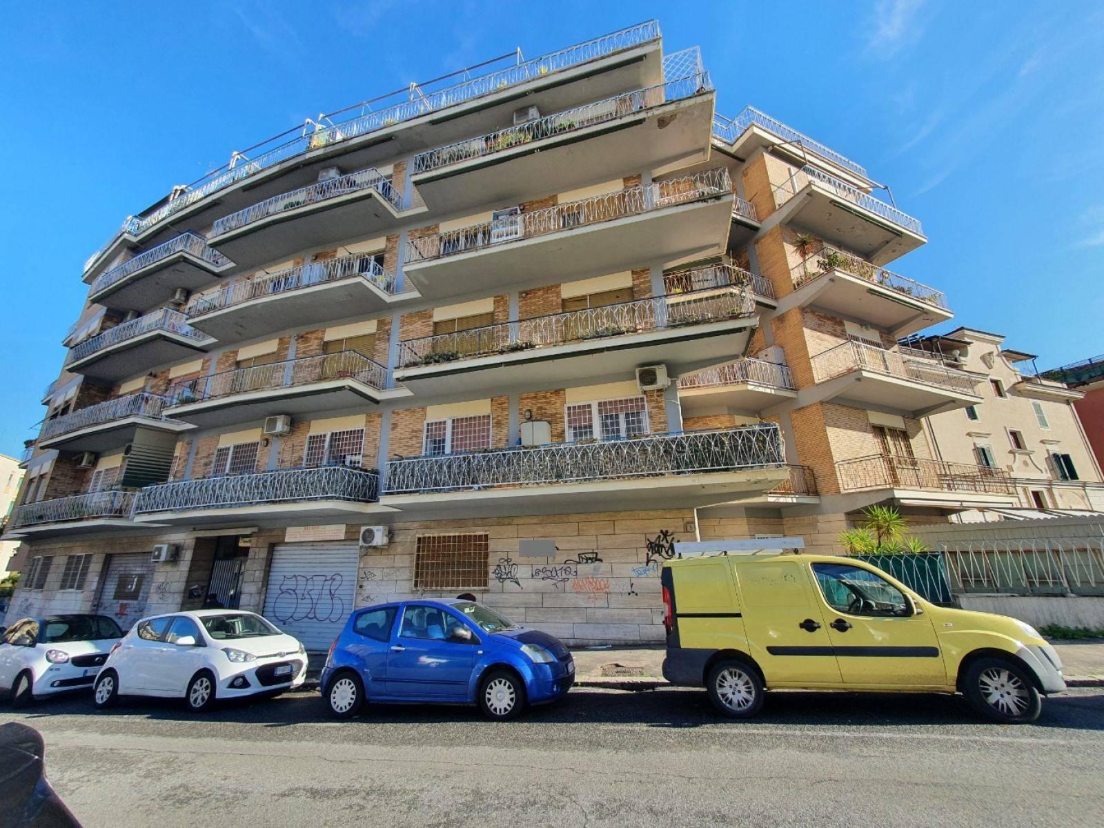 1118419404 Trilocale in Via Monte Fumaiolo, Roma, Zona Bufalotta