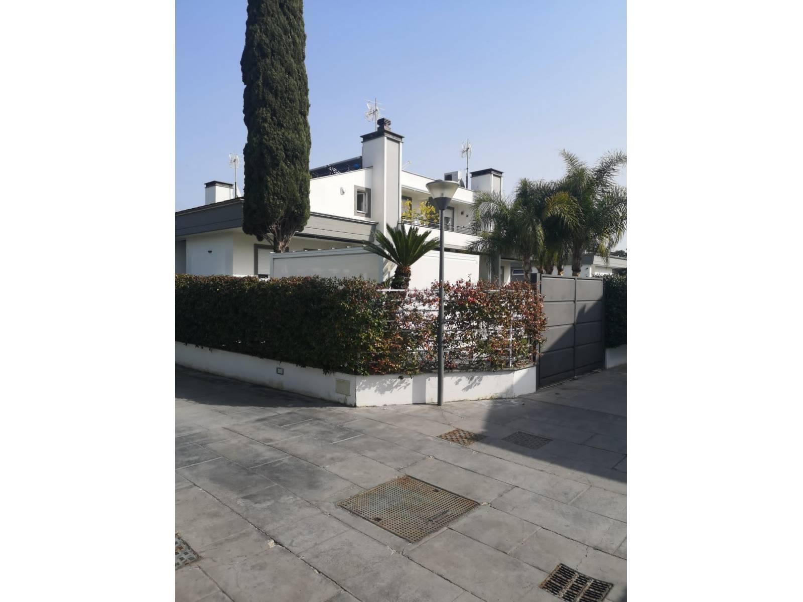 1118419453 Pentalocale in Via Antonio Scontrino, Roma, Zona Infernetto