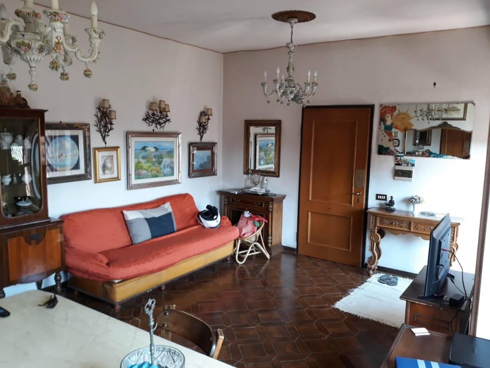 1118419530 Quadrilocale in Via Di Casal Morena, Roma, Zona Morena