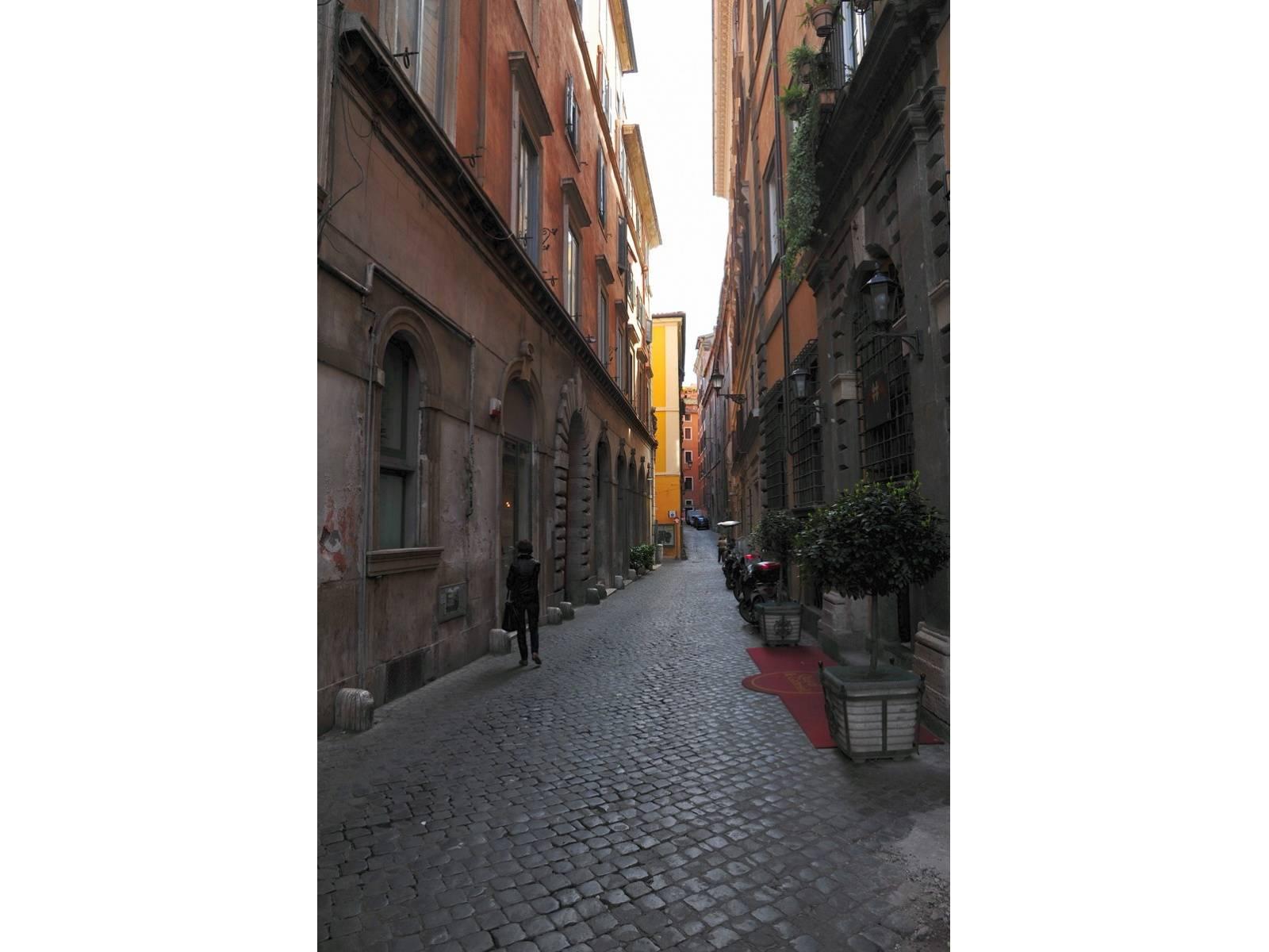 1118419554 Quadrilocale in Via Delle Coppelle, Roma, Zona Centro Storico