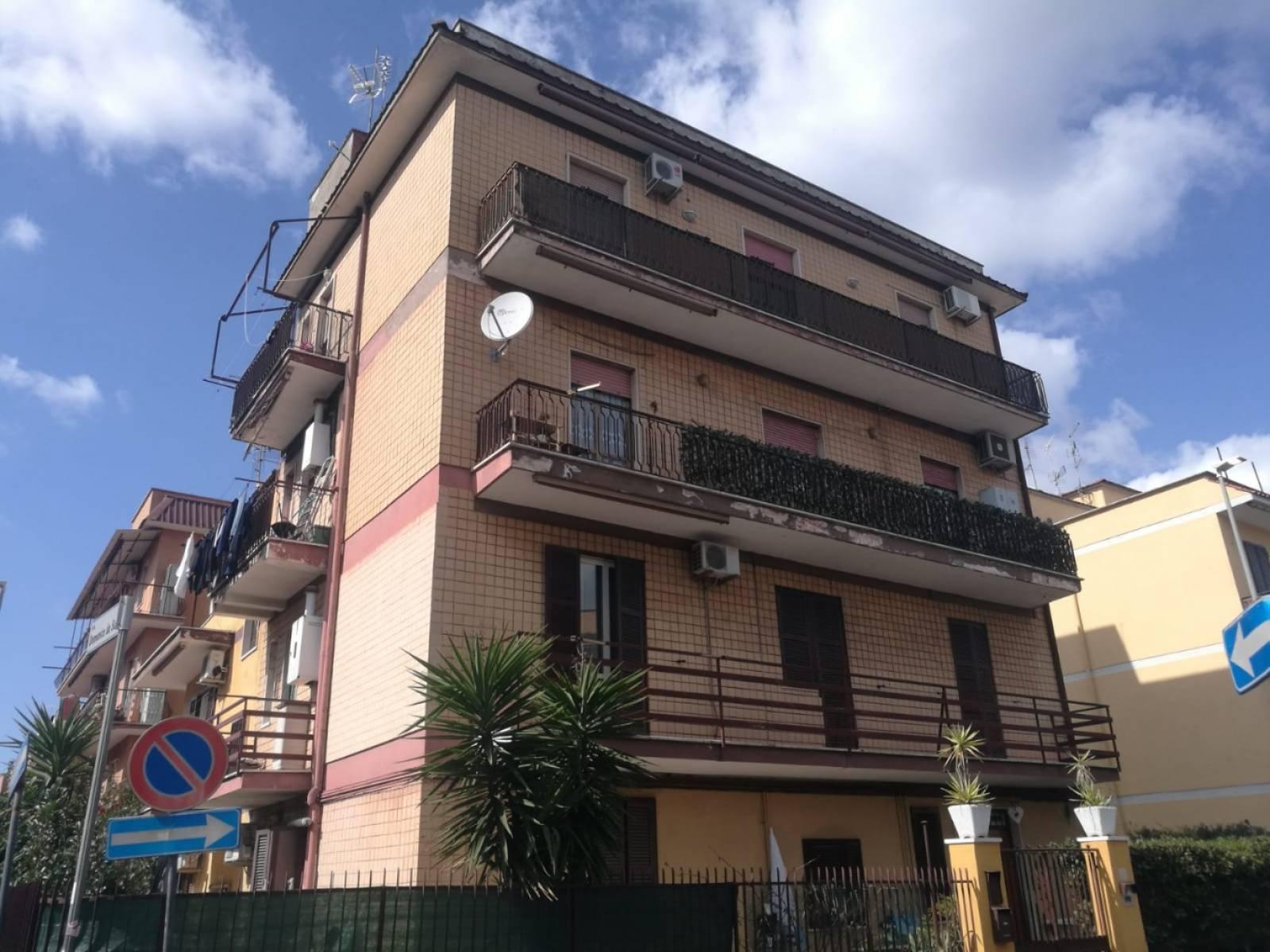 1118419566 Trilocale in Via Alenda, Roma, Zona Giardinetti
