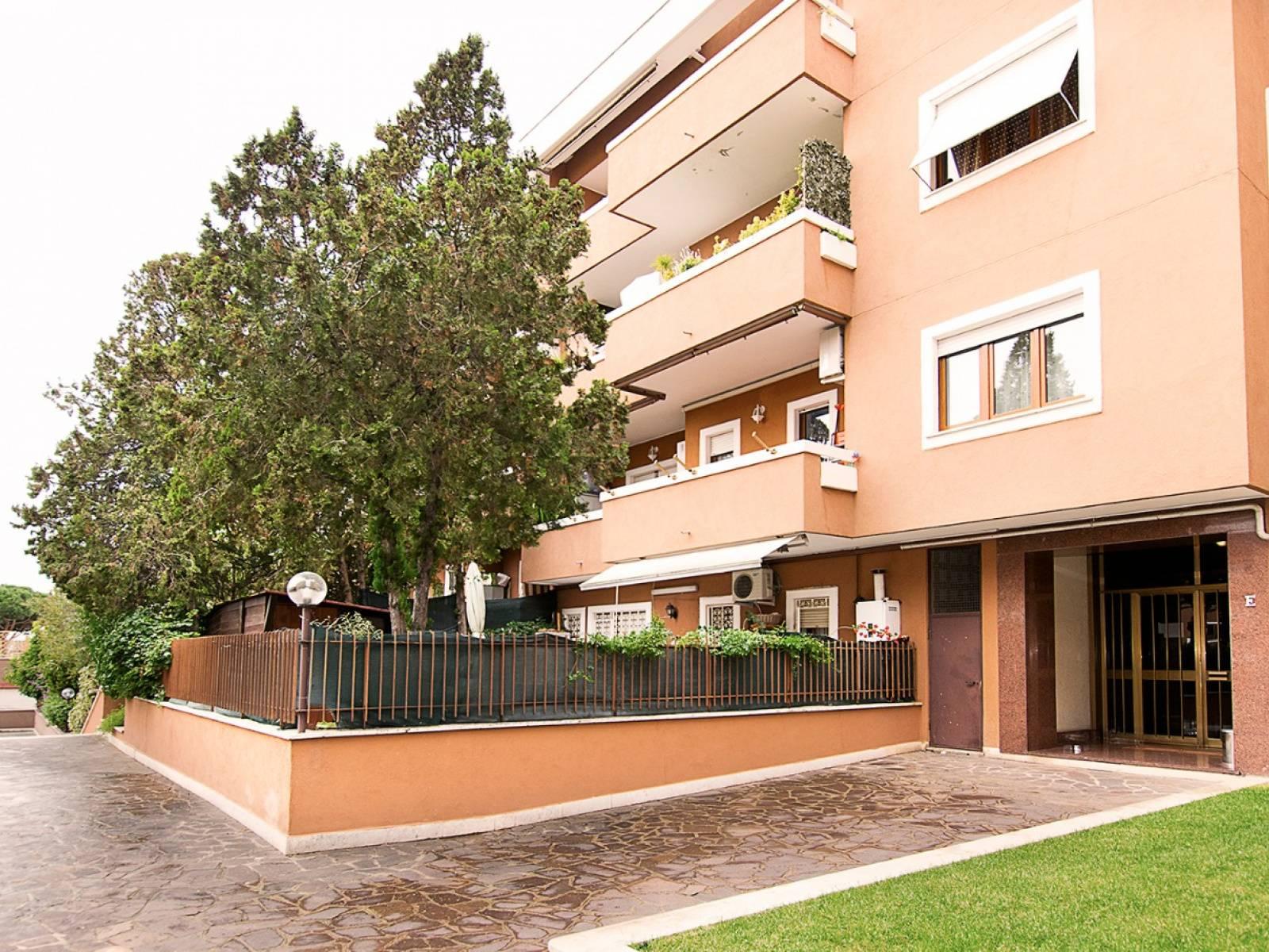 1118419668 Trilocale in Via Menandro, Roma, Zona Axa