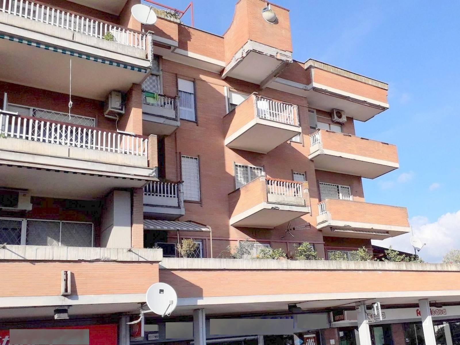 1118419675 Trilocale in Via Di Casalotti, Roma, Zona Casalotti
