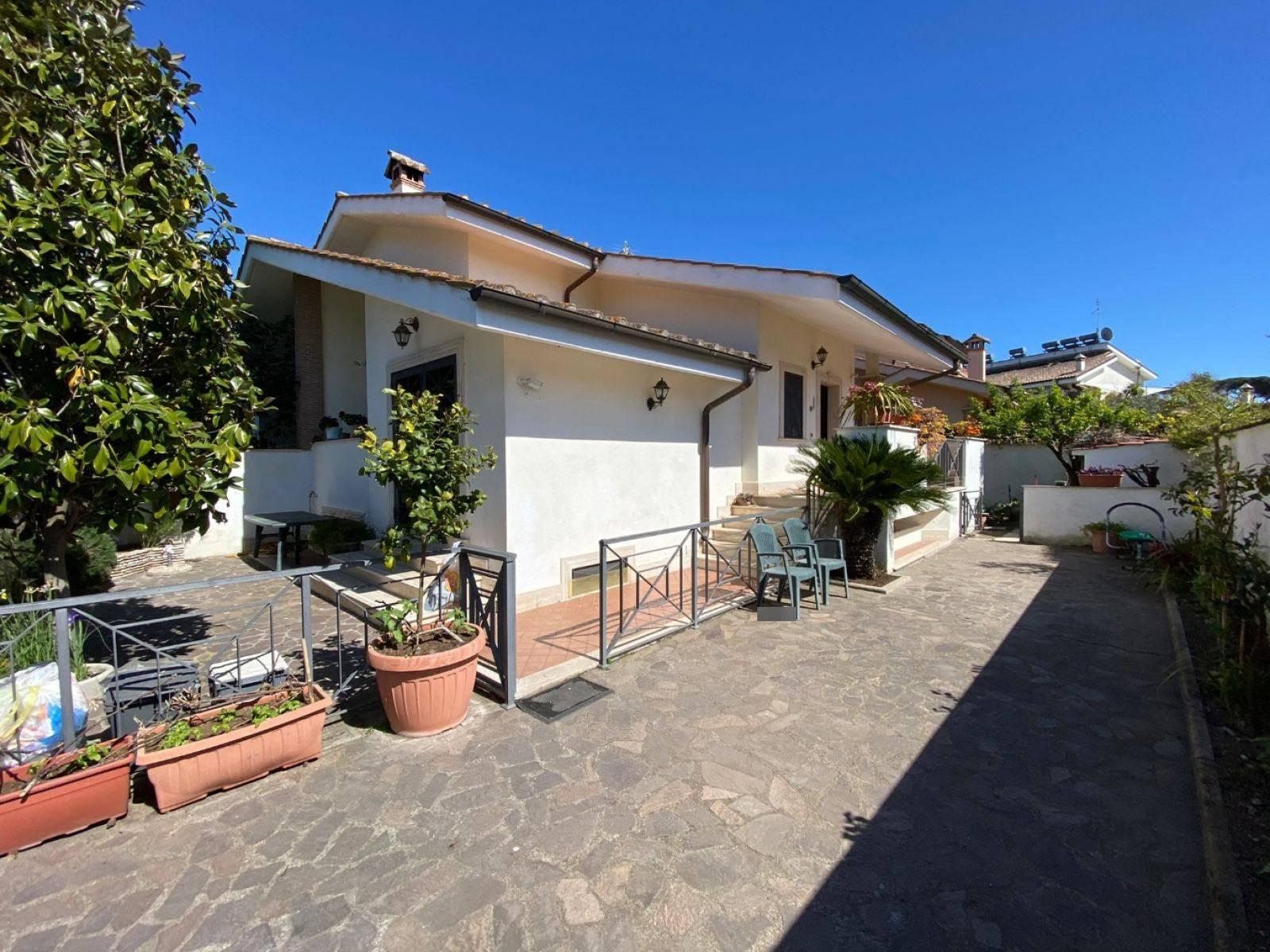 1118419743 Pentalocale in Via Victor De Sabata, Roma, Zona Infernetto