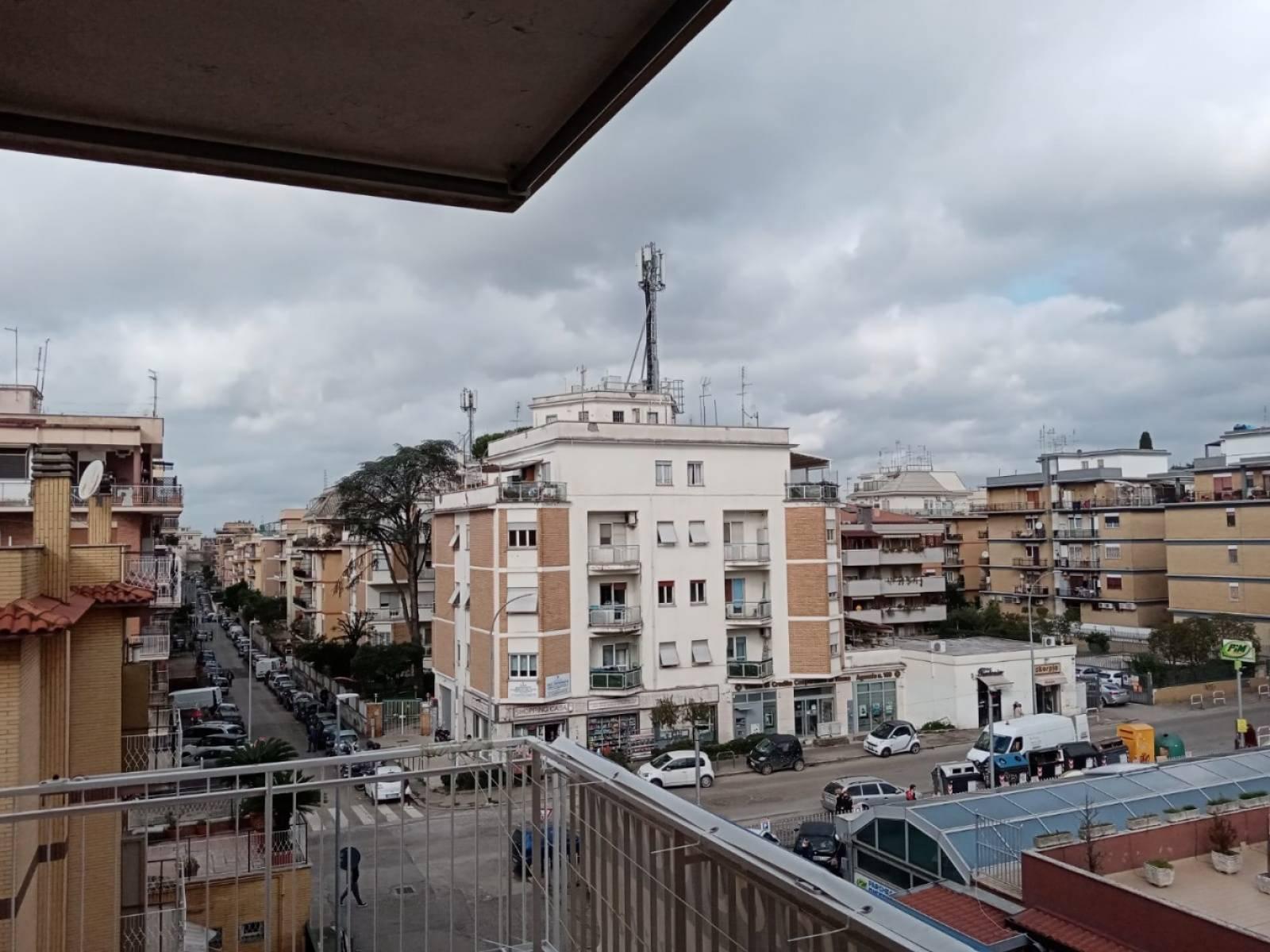 1118419758 Trilocale in Via Fanny Tacchinardi, Roma, Zona Pineta Sacchetti