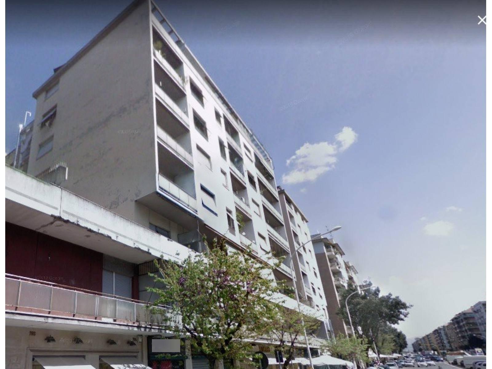 1118419819 Quadrilocale in Via Tuscolana, Roma, Zona Cinecittà, Don Bosco