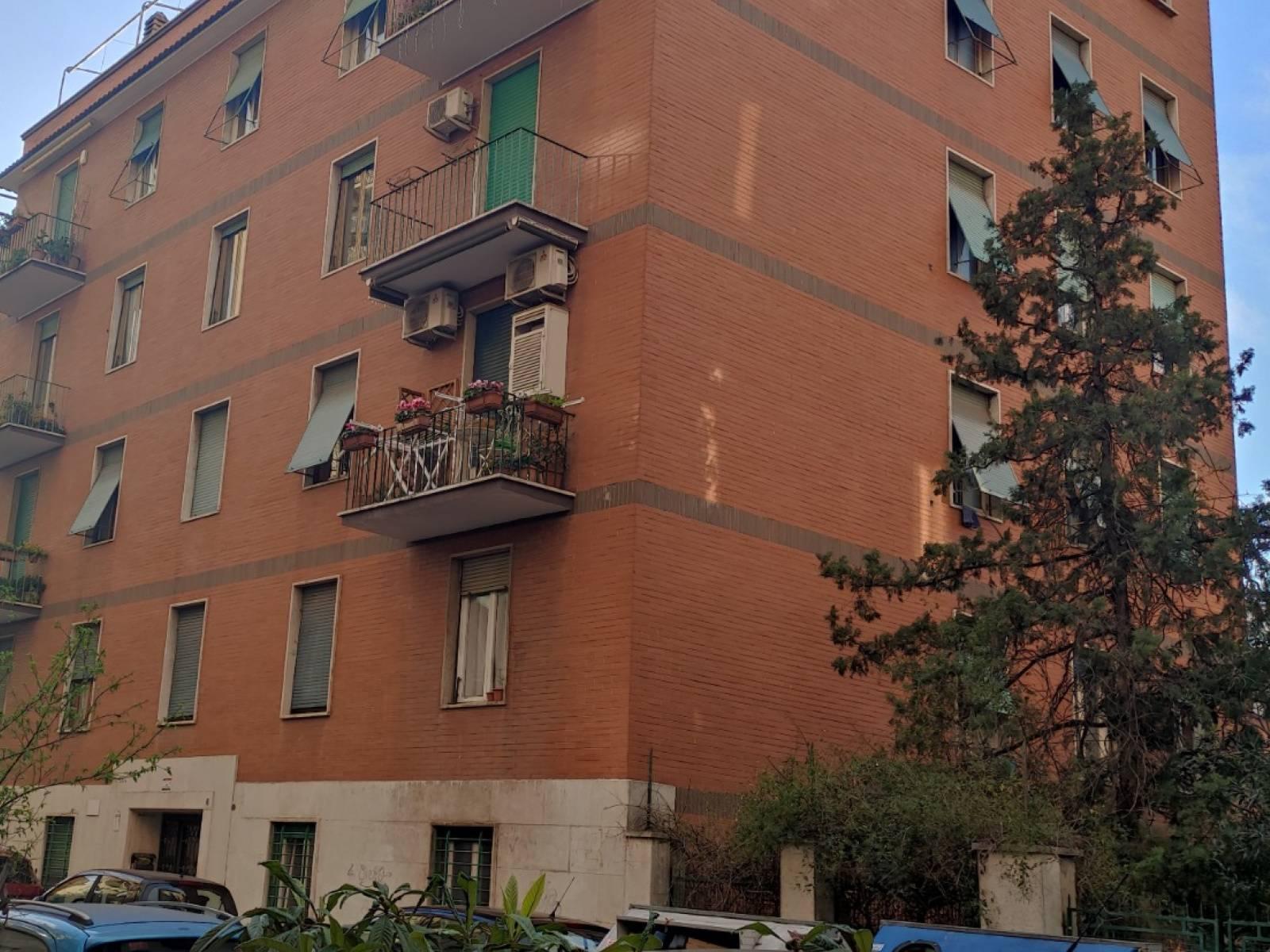 1118420013 Trilocale in Via Di Vigna Fabbri, Roma, Zona Appio Latino, Caffarella