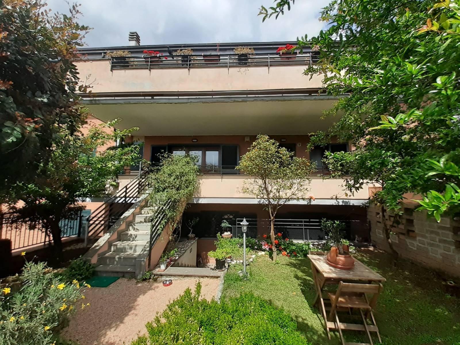 1118420137 Pentalocale in Via Di Casal Boccone, Roma, Zona Bufalotta