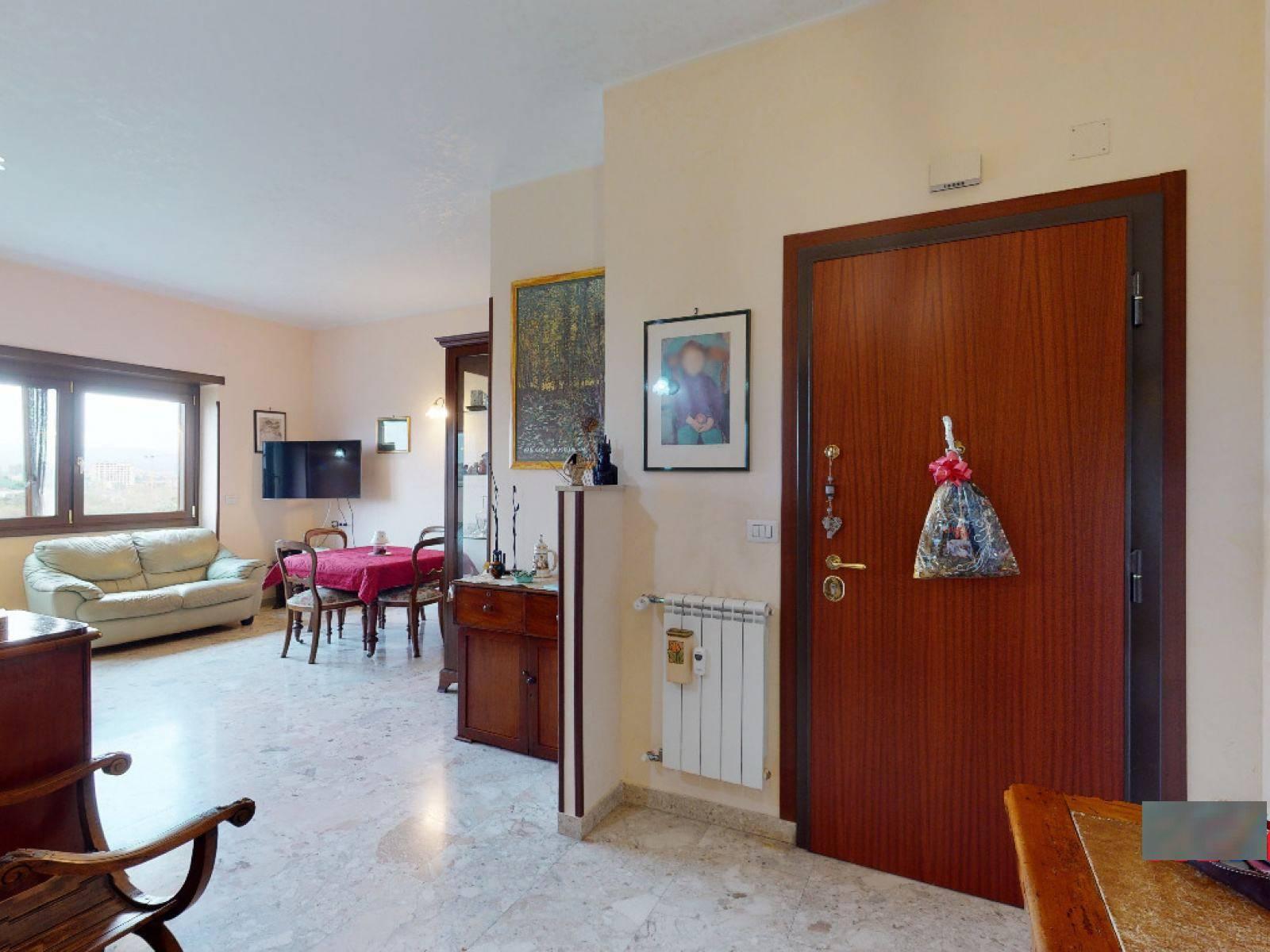 1118420227 Trilocale in Via Bernardino Lotti, Roma, Zona Monti Tiburtini, Pietralata