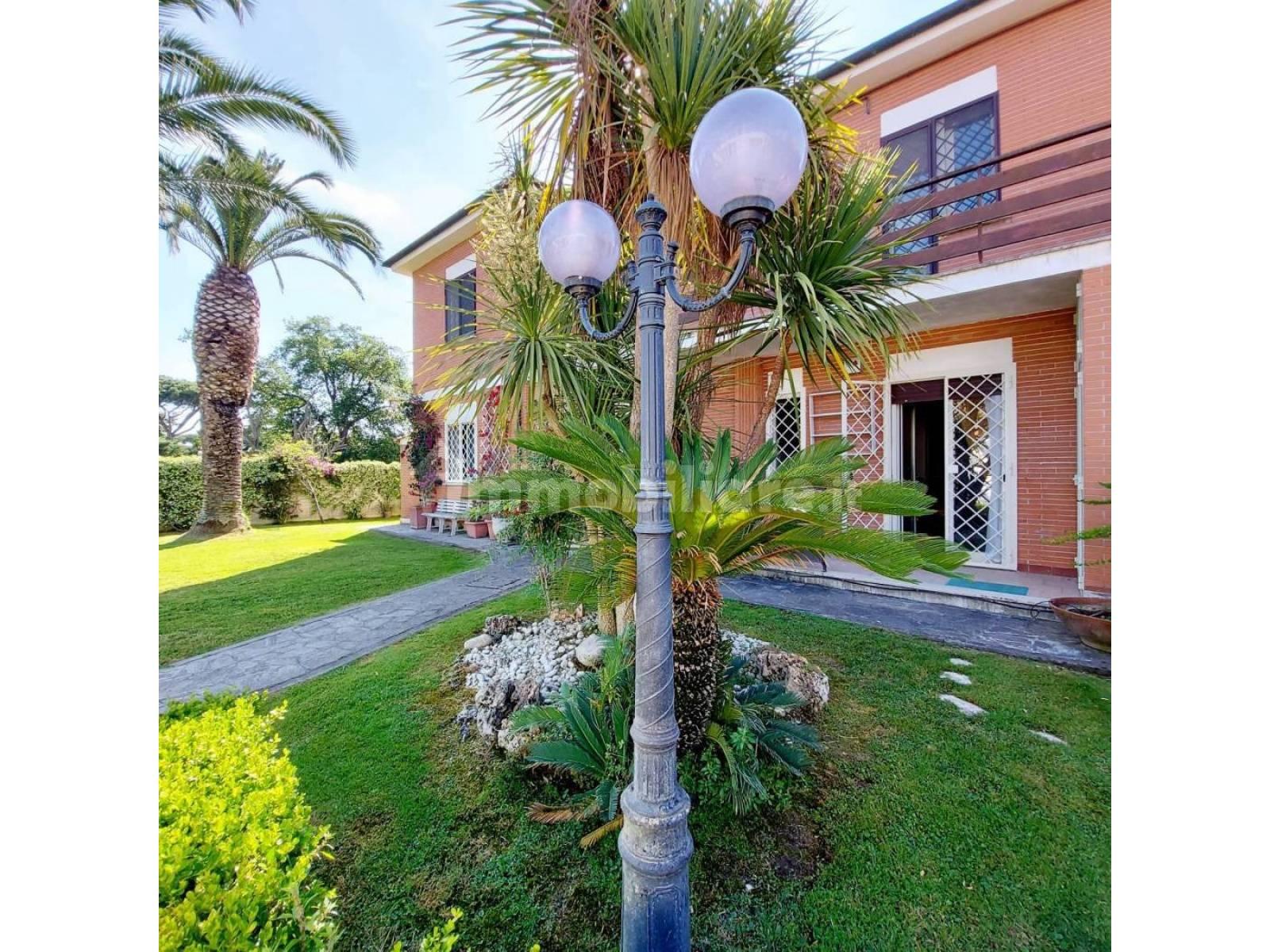 1118420277 Pentalocale in Via Giovanni Legrenzi, Roma, Zona Infernetto