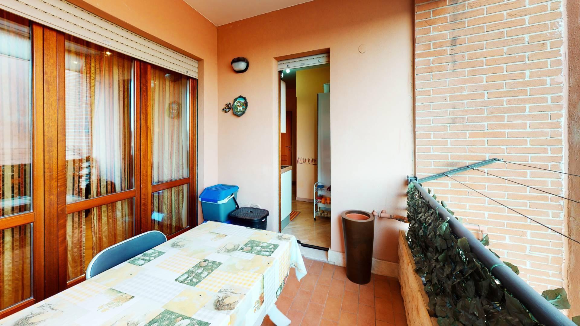 1118420361 Trilocale in Via Del Maggiolino, Roma, Zona Tor Sapienza