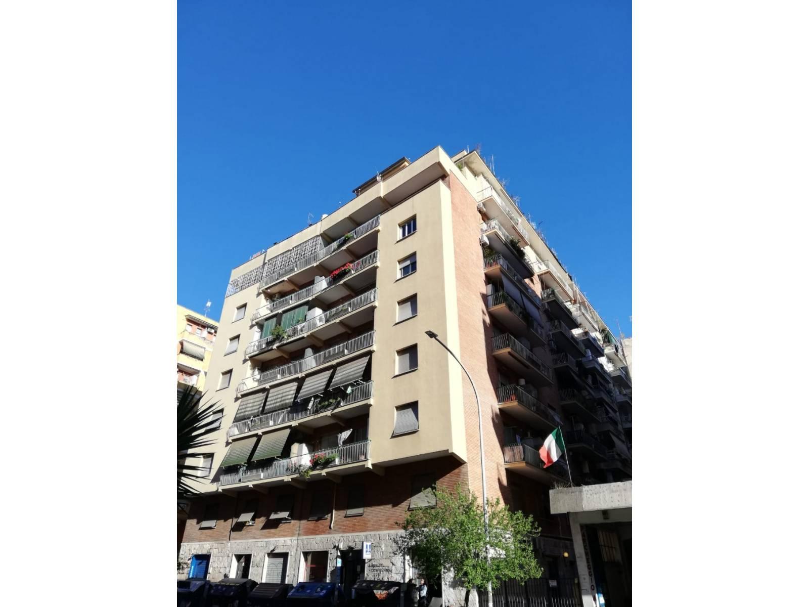 1118420595 Trilocale in Via Domenico Cucchiari, Roma, Zona Casal Bertone