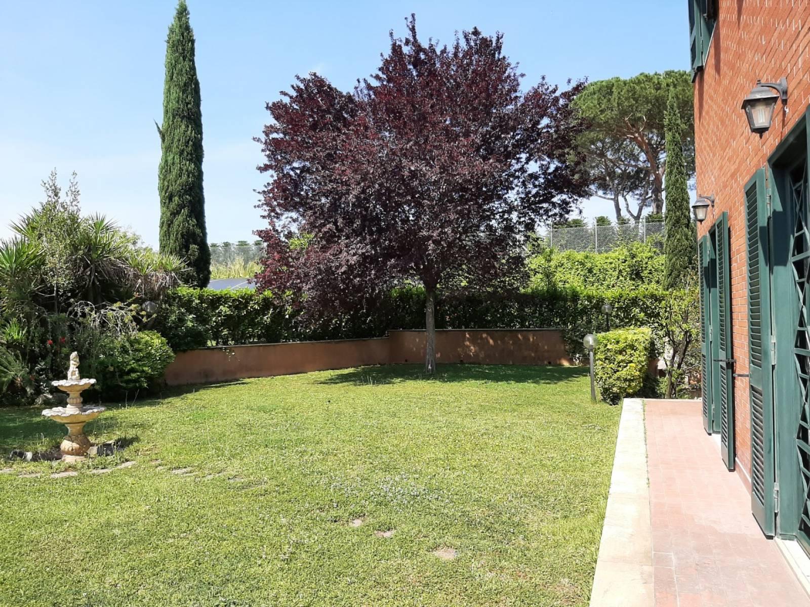 1118420660 Plurilocale (8) in Via Di Casal Boccone, Roma, Zona Bufalotta