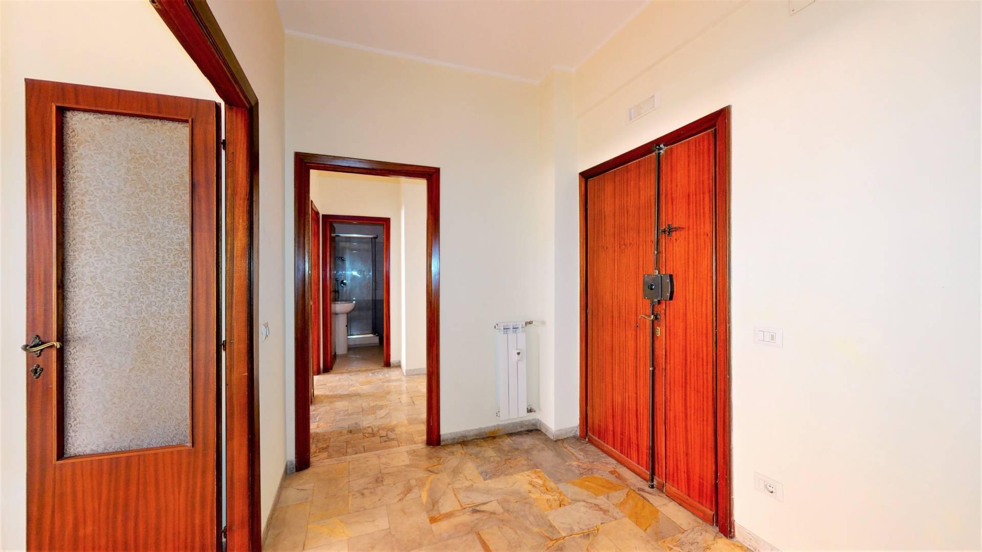 Appartamento in vendita a Roma, 2 locali, zona Zona: 10 . Pigneto, Largo Preneste, prezzo € 235.000   CambioCasa.it