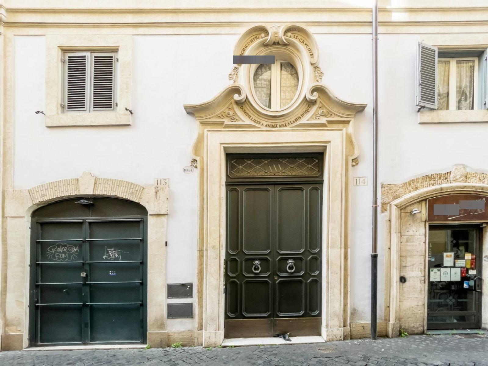 1118420728 Plurilocale (7) in Via In Arcione, Roma, Zona Centro Storico
