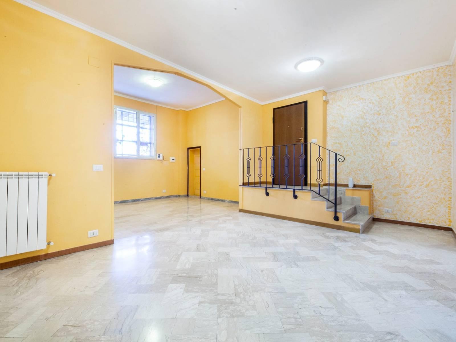 1118420756 Trilocale in Via Monopoli, Roma, Zona Torre Angela