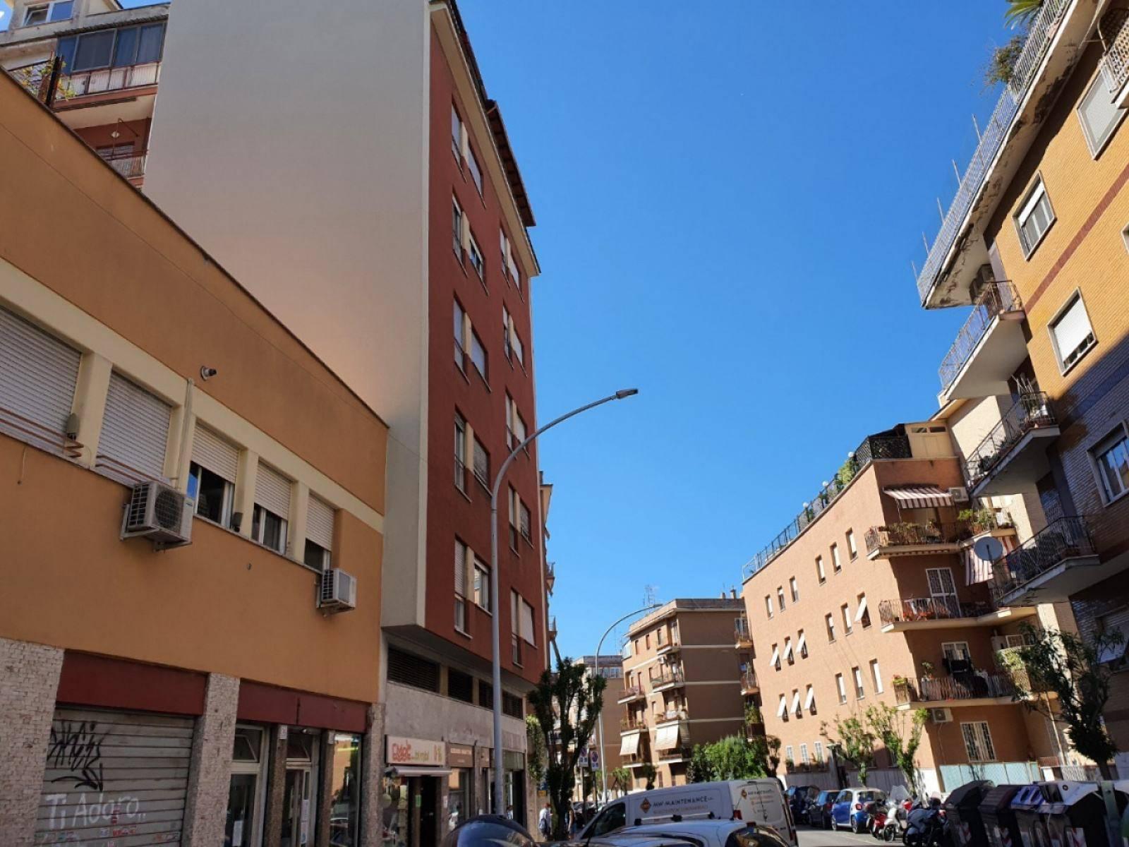 1118420757 Monolocale in Via Pietro Venturi, Roma, Zona Portuense