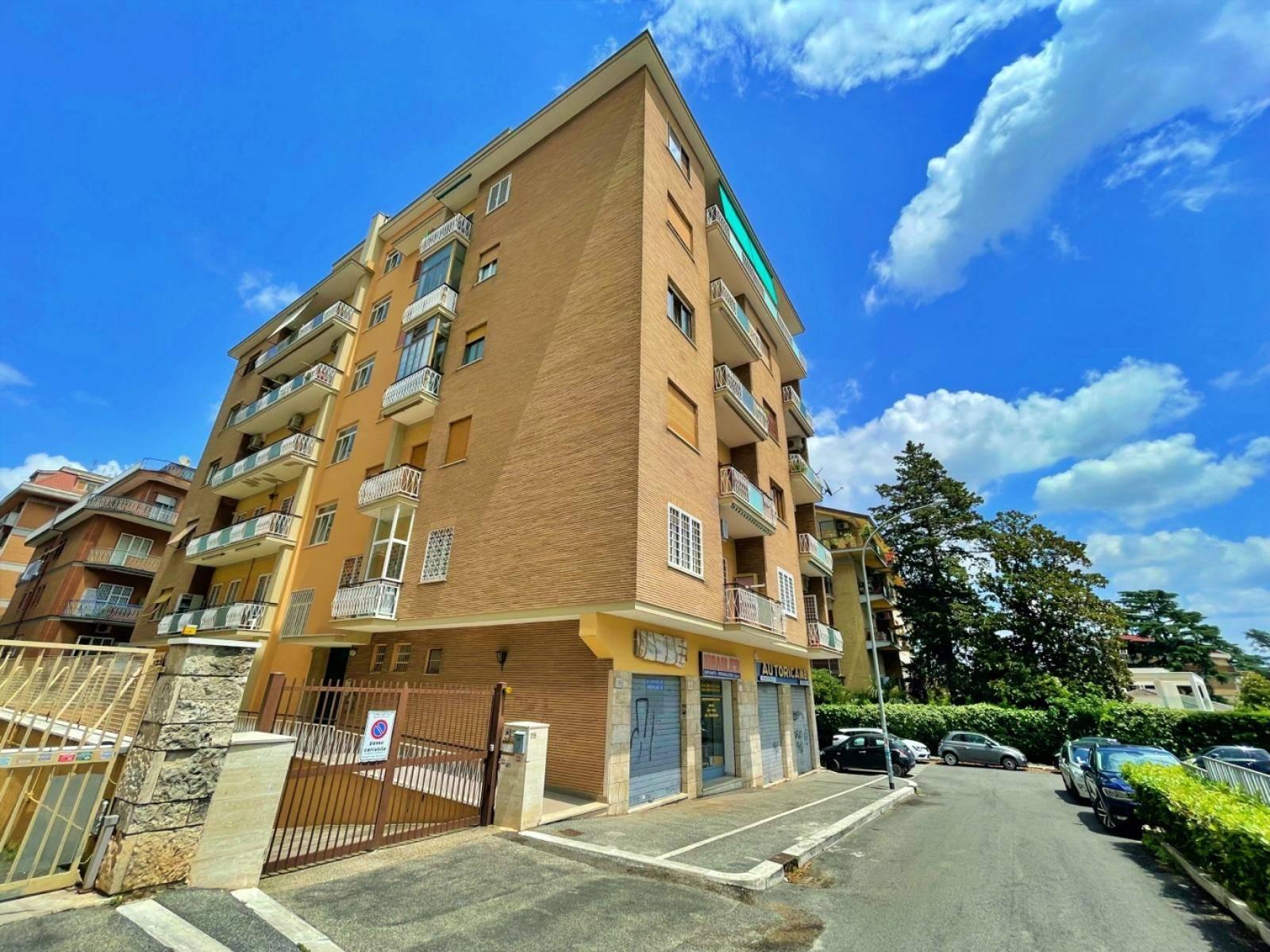 1118420790 Trilocale in Via Roberto Alessandri, Roma, Zona Colli Portuensi
