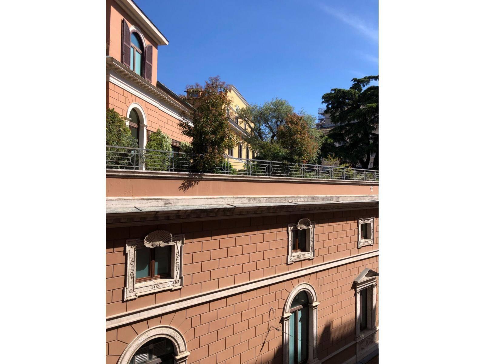 1118420965 Trilocale in Via Rasella, Roma, Zona Centro Storico