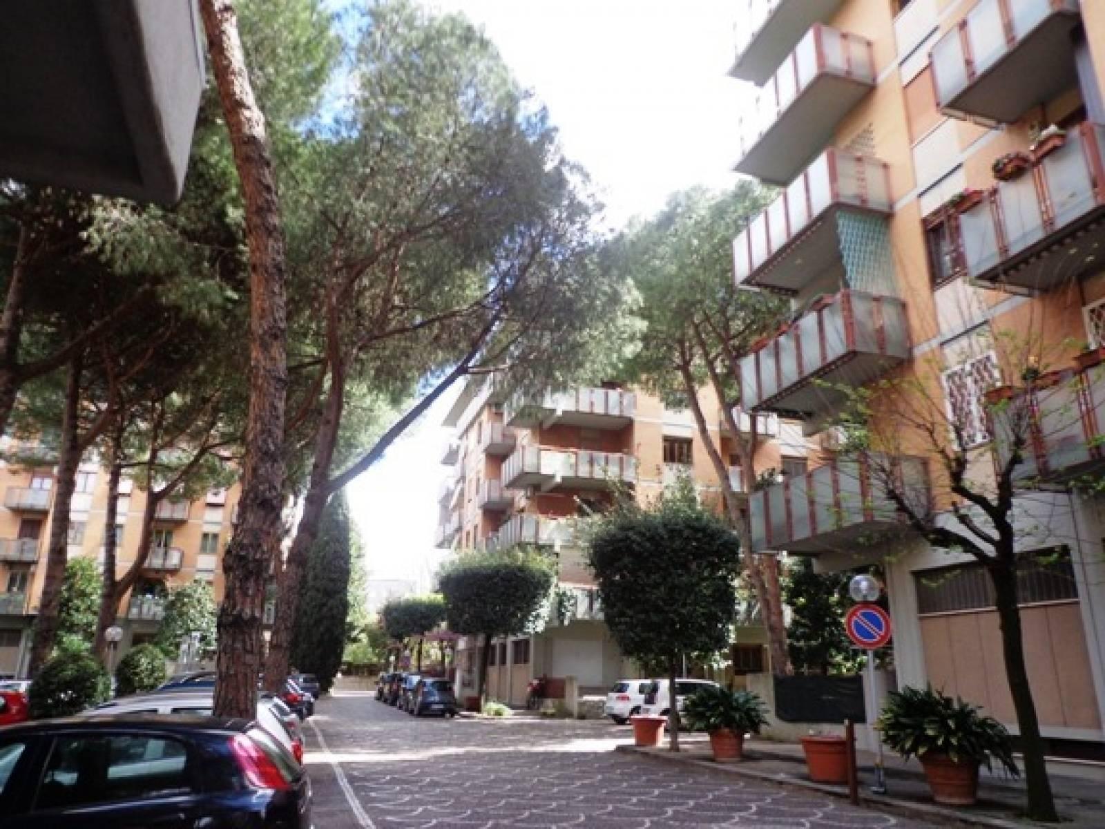 1118421005 Quadrilocale in Via Alessio Baldovinetti, Roma, Zona Tintoretto