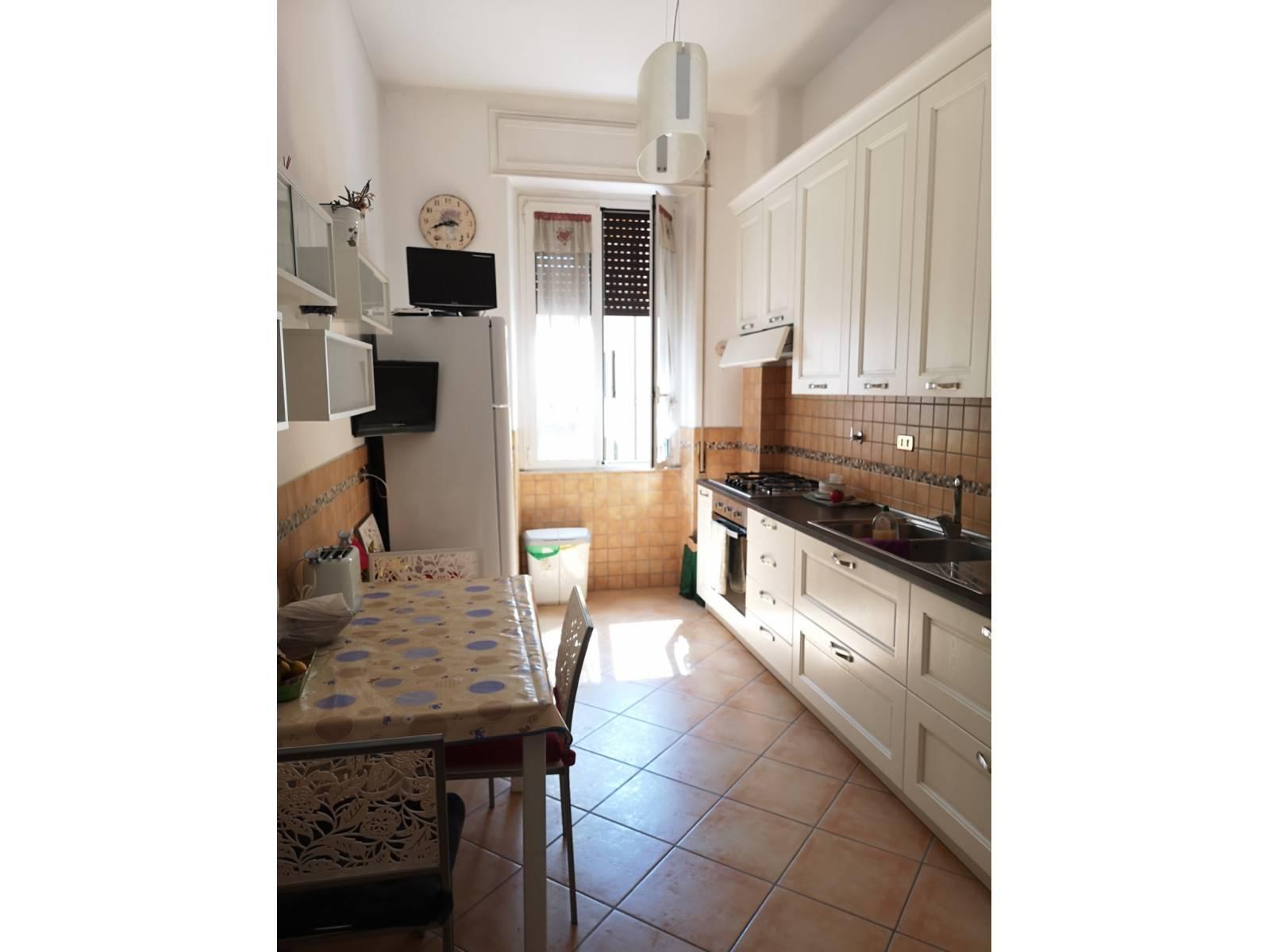 1118421021 Trilocale in Via Camilla, Roma, Zona Colli Albani, Furio Camillo