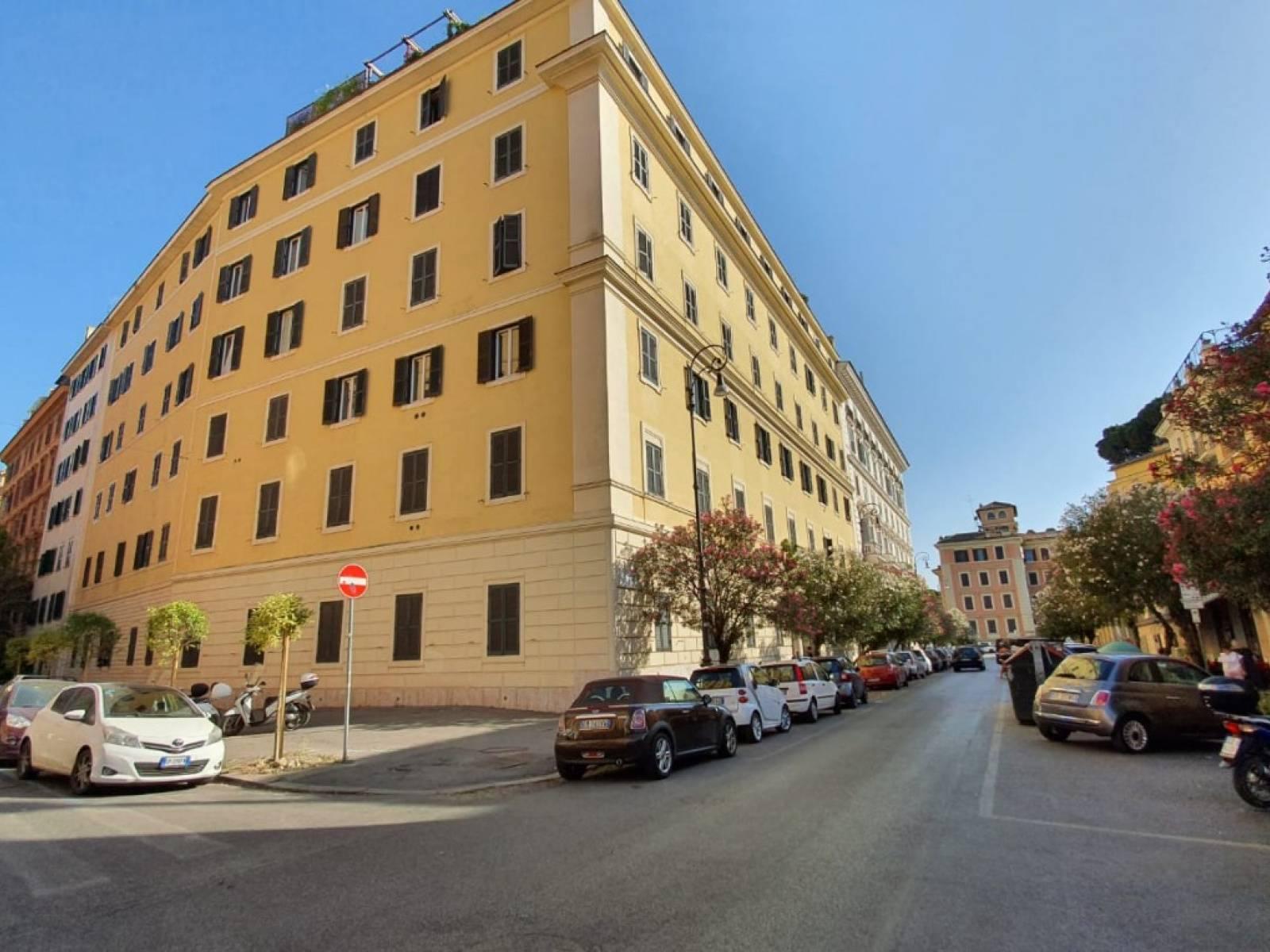 1118421086 Bilocale in Via Mecenate, Roma, Zona Centro Storico