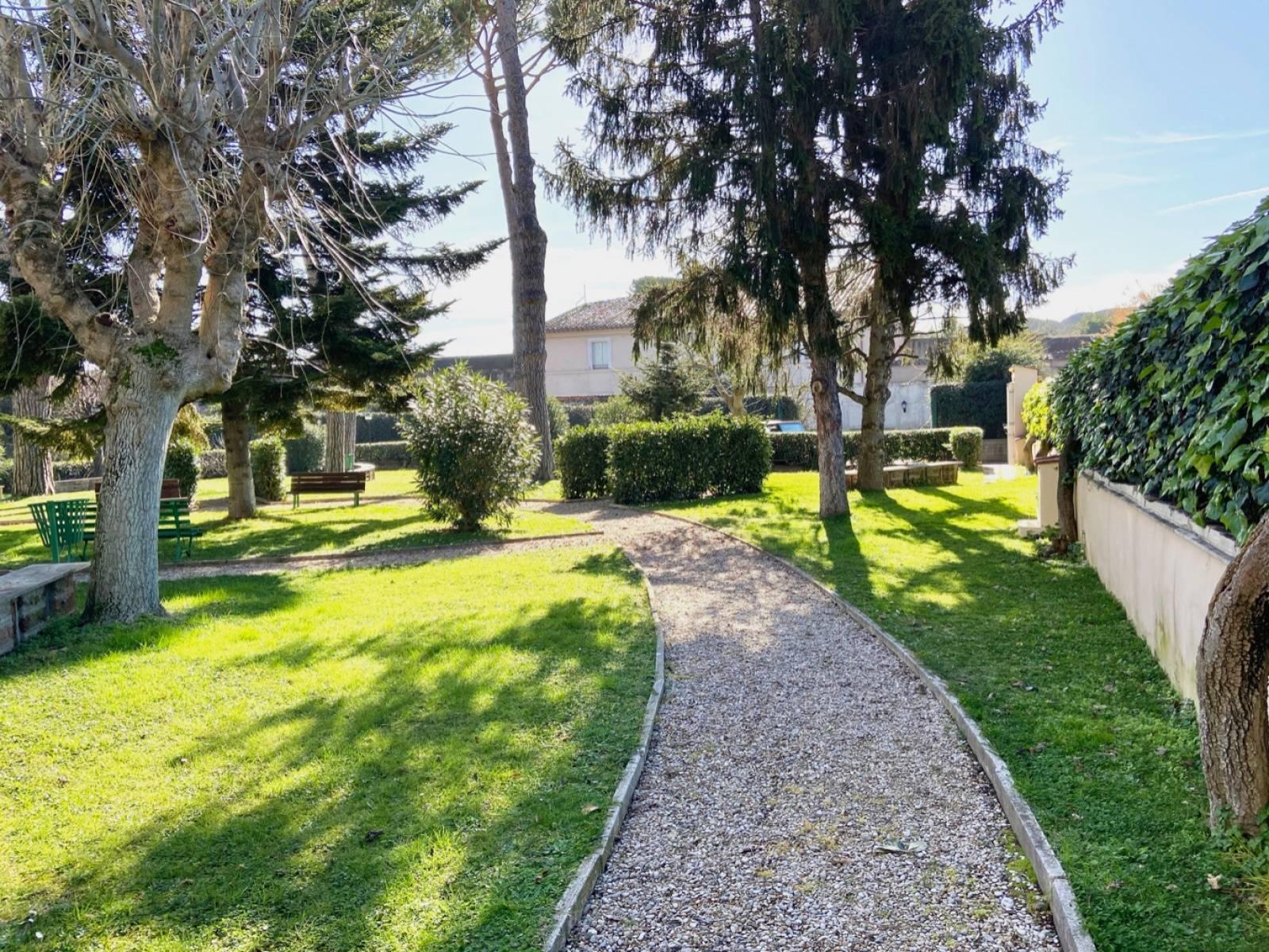 1118421125 Quadrilocale in Via Di Villa Betania, Roma, Zona Gregorio VII