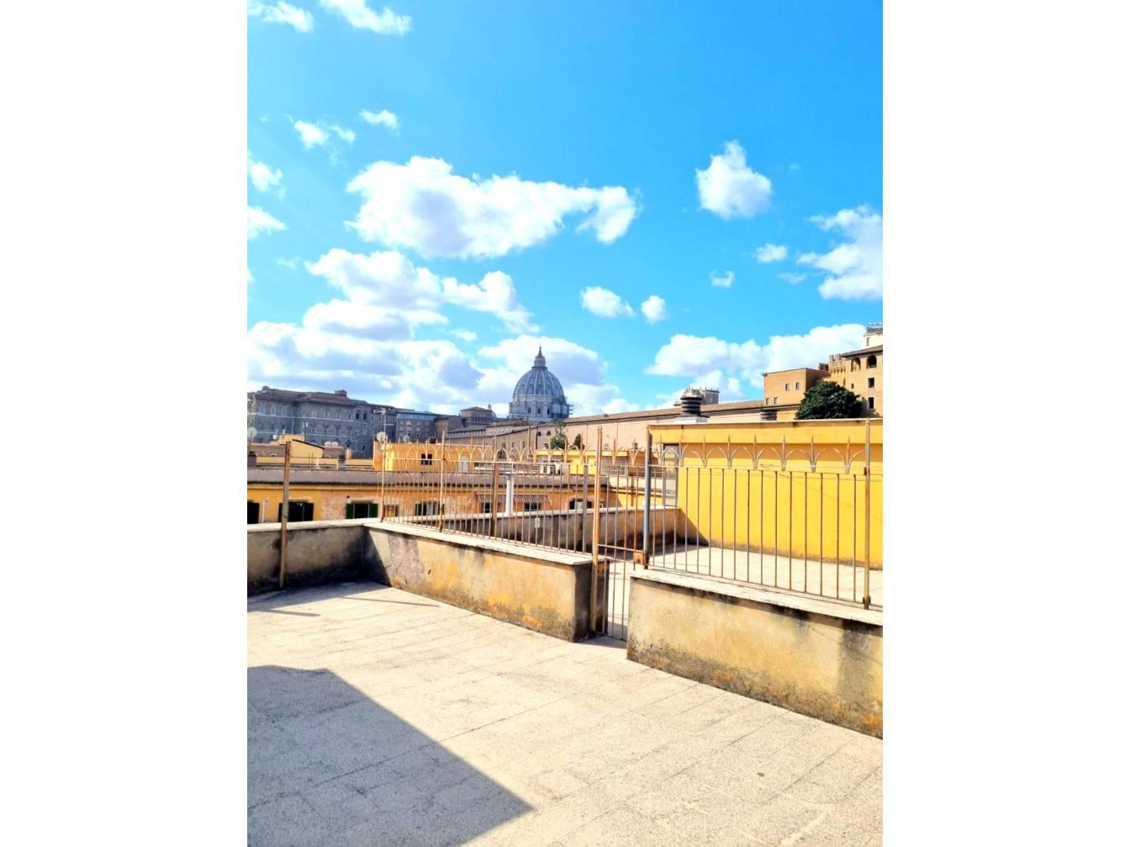 1118421141 Quadrilocale in Via Vespasiano, Roma, Zona Prati