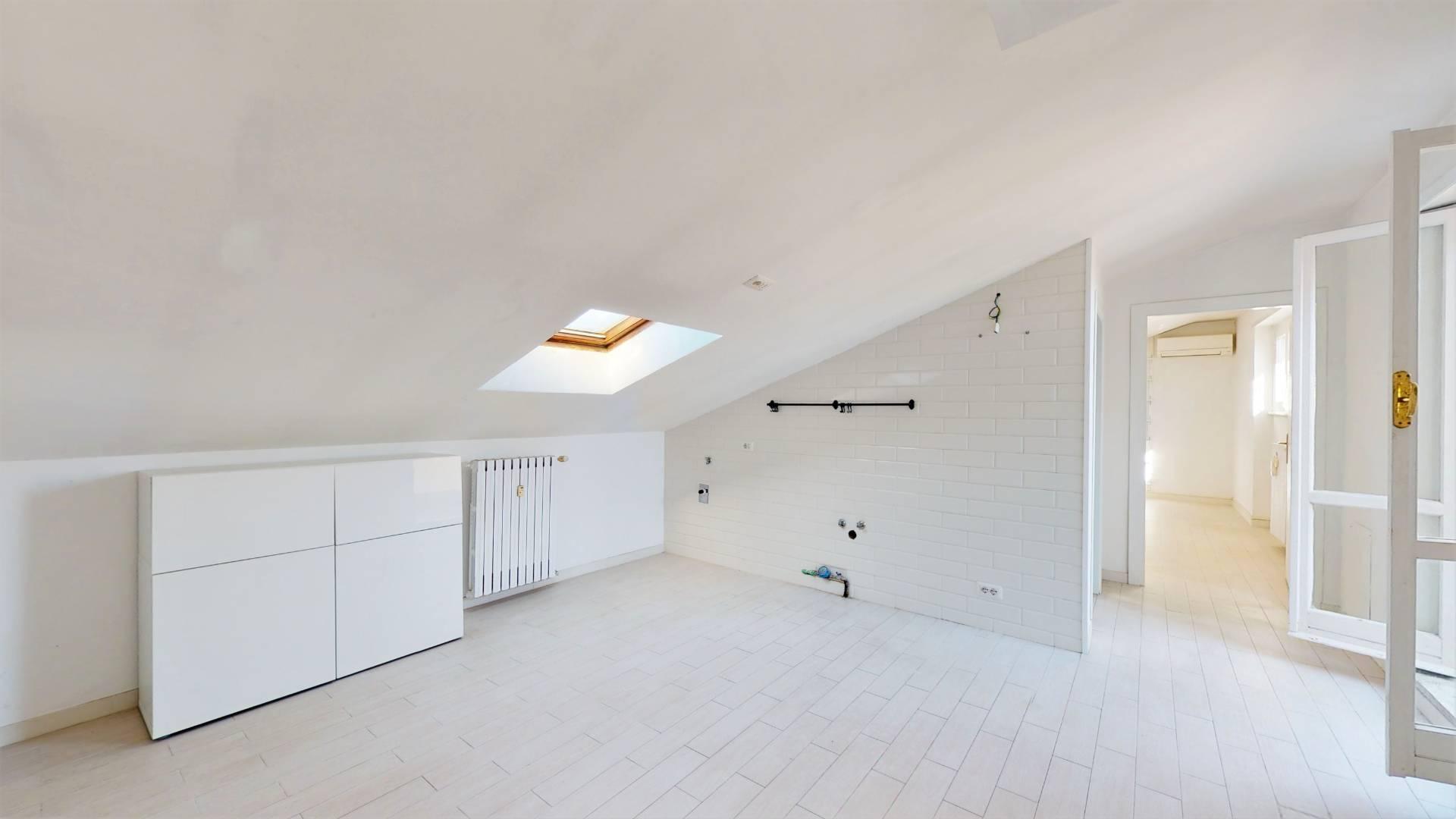 Appartamento in vendita a Roma, 2 locali, zona Zona: 10 . Pigneto, Largo Preneste, prezzo € 239.000   CambioCasa.it
